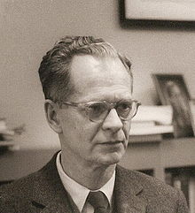 220px-B.F._Skinner_at_Harvard_circa_1950.jpg