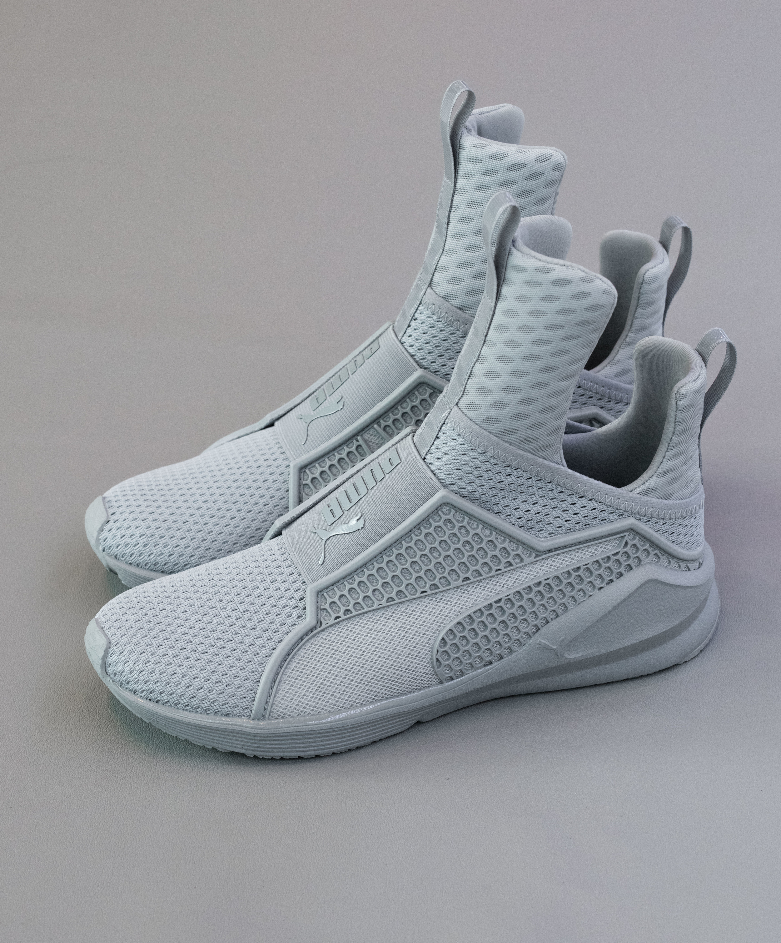 hot sale online 4e323 265ad PUMA FENTY TRAINER BY RIHANNA