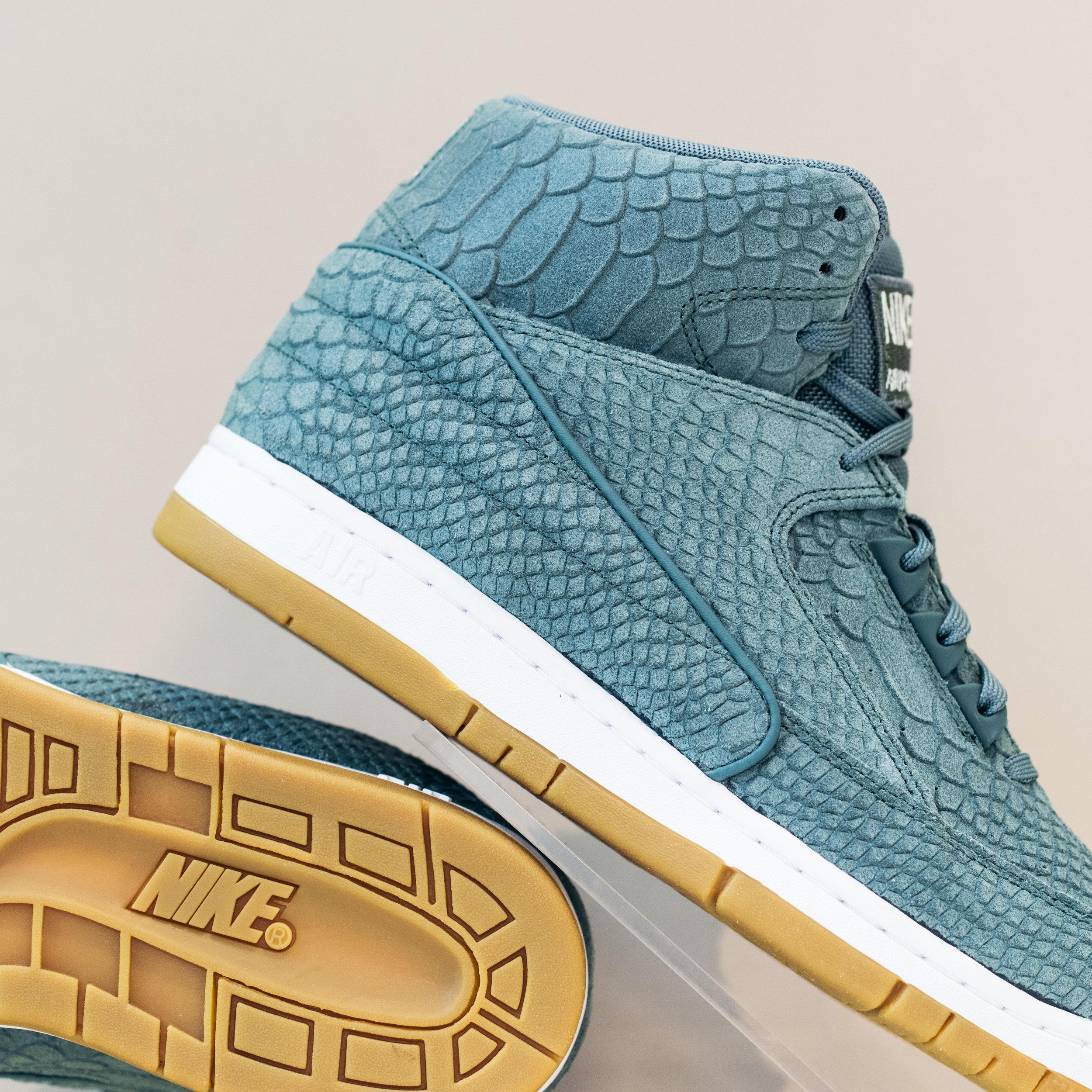 Nike Air Python PRM \
