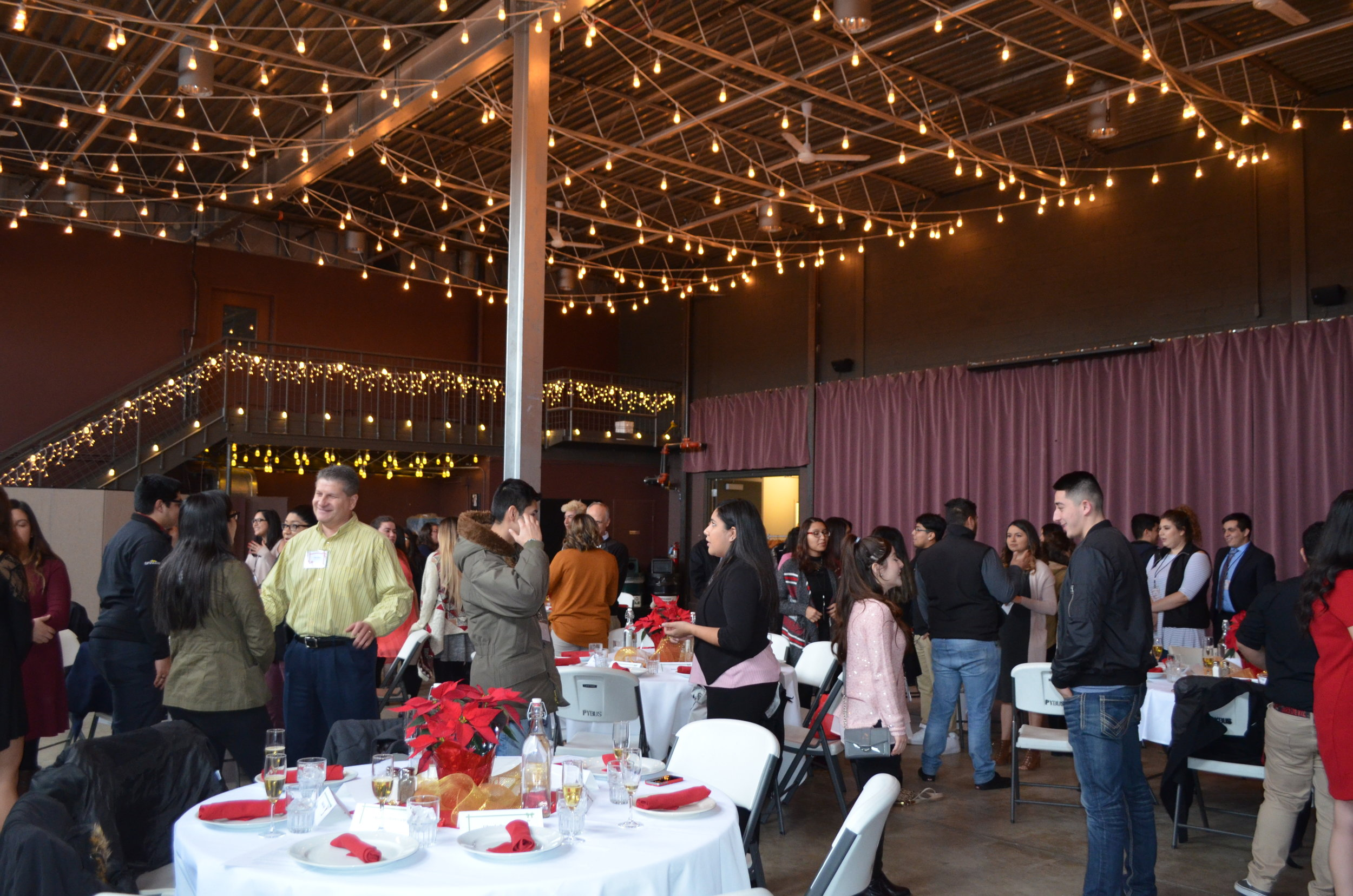 (Speed Networking at this year's holiday luncheon in Wenatchee)