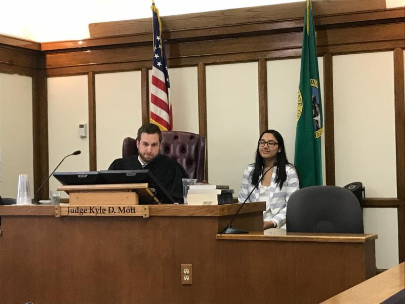 Ariana Mendoza spends time behind the bench with Judge Kyle Mott