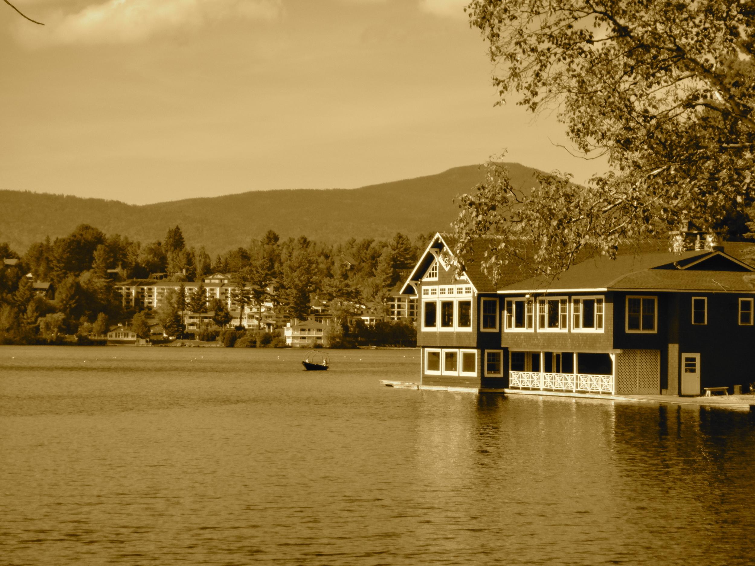 The Boathouse Restaurant on Mirror Lake