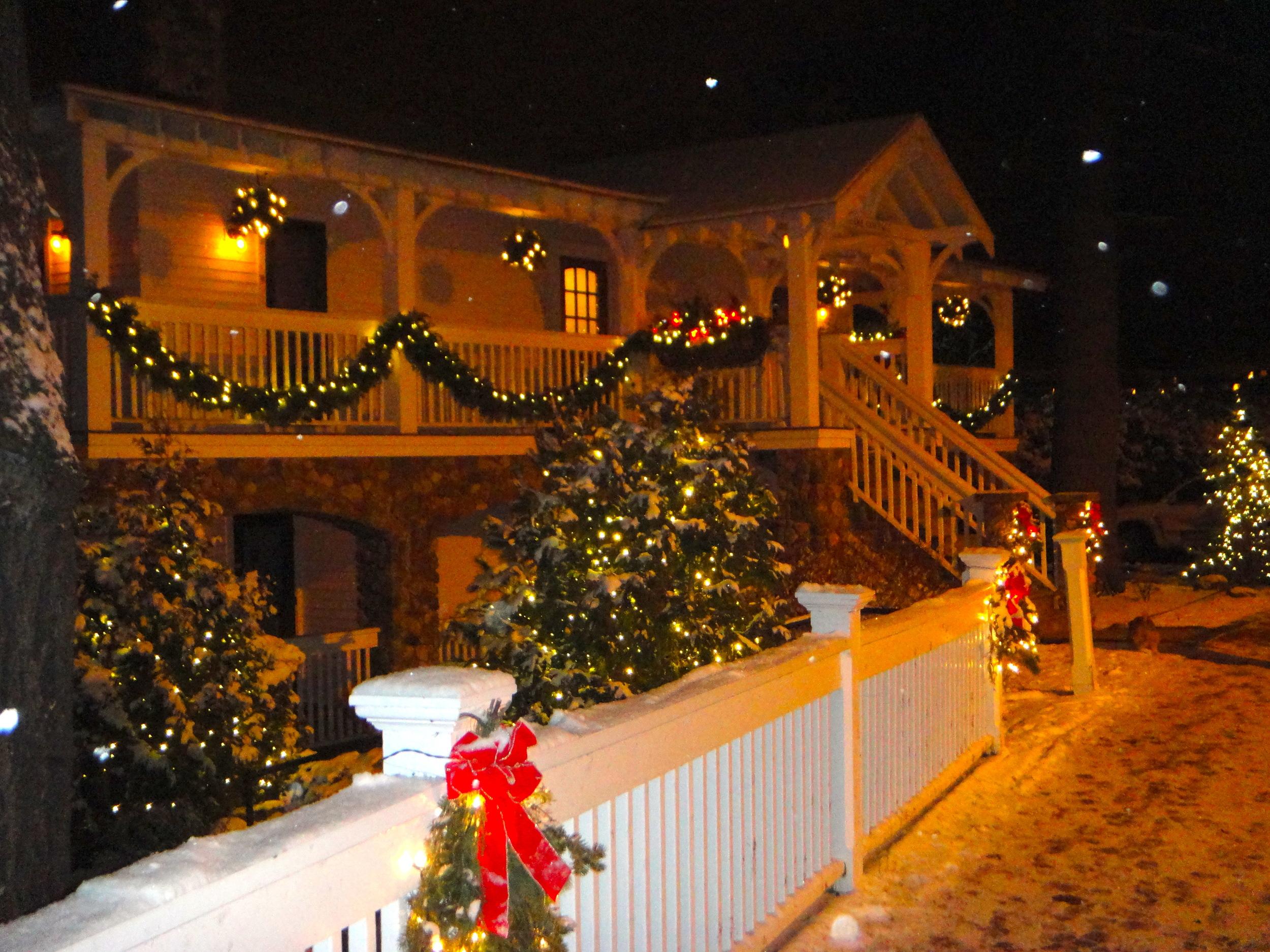 Christmas at Mirror Lake Inn Lake View Cottage