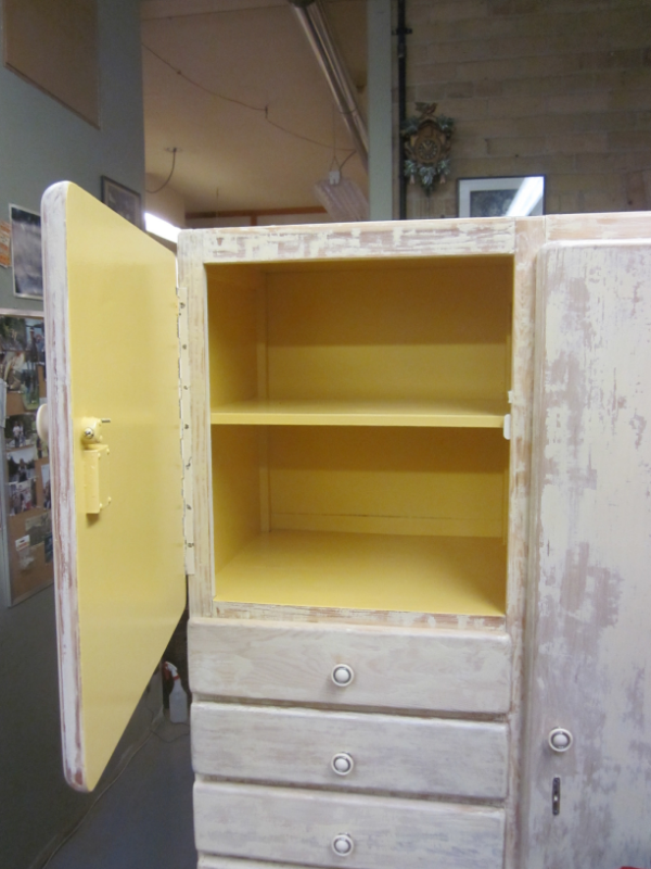 painted cupboard (distressed)