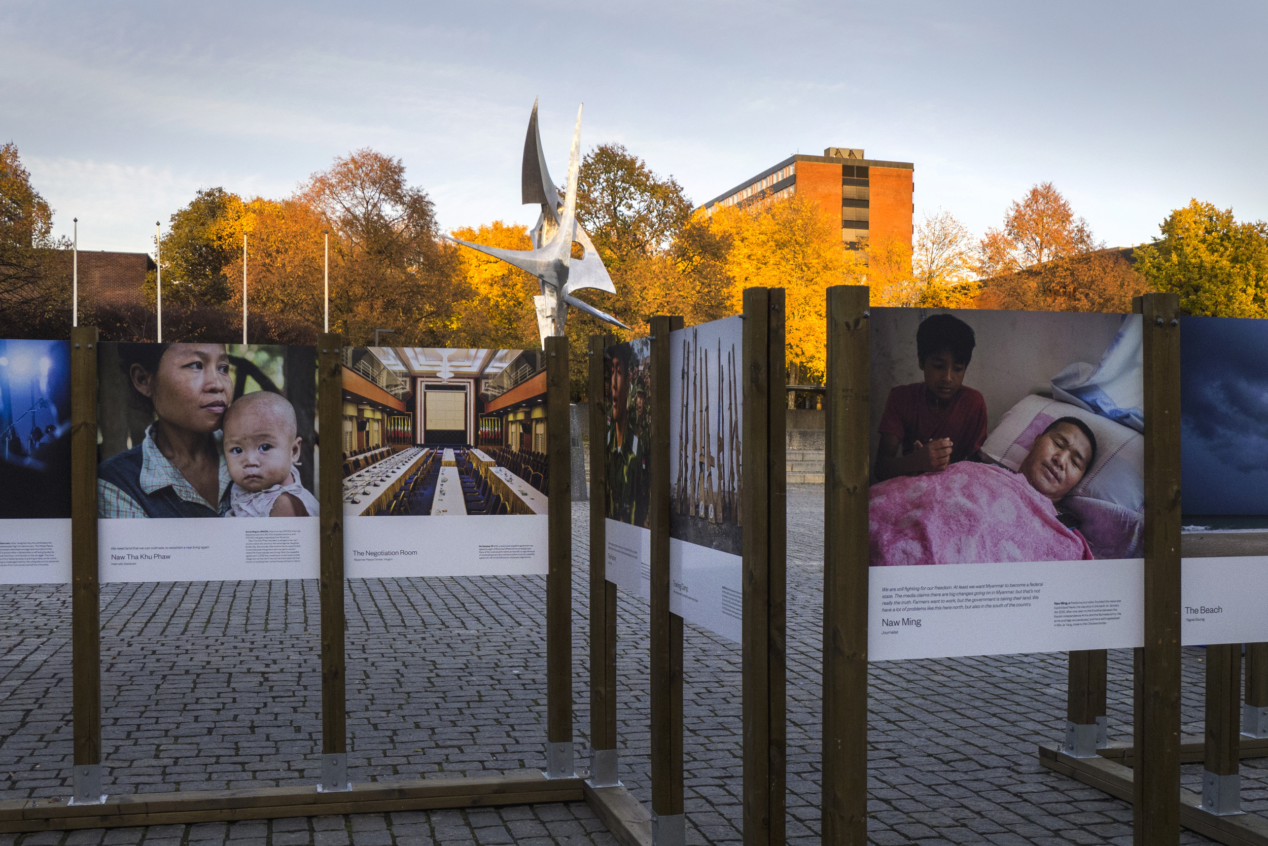 During the weeks before and after the Myanmar election on November 8 2015, the project was exhibited at the campus square at Oslo University.