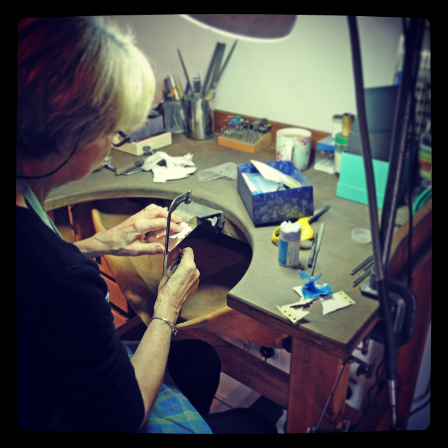 Piercing (sawing) silver and managing not to break a single blade!