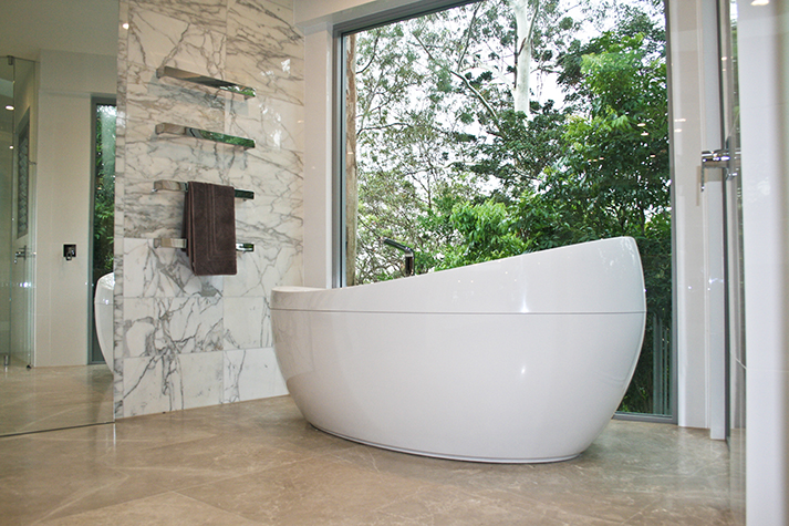 Travertine_bath.jpg