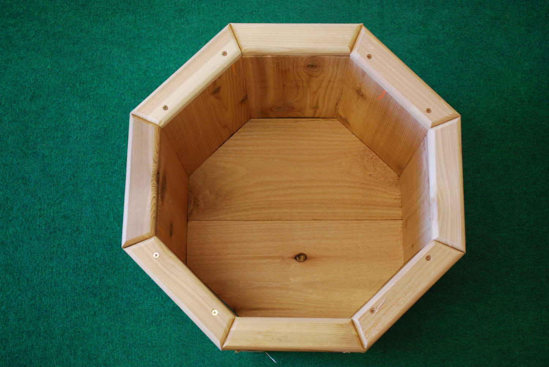 cedar octagon planter