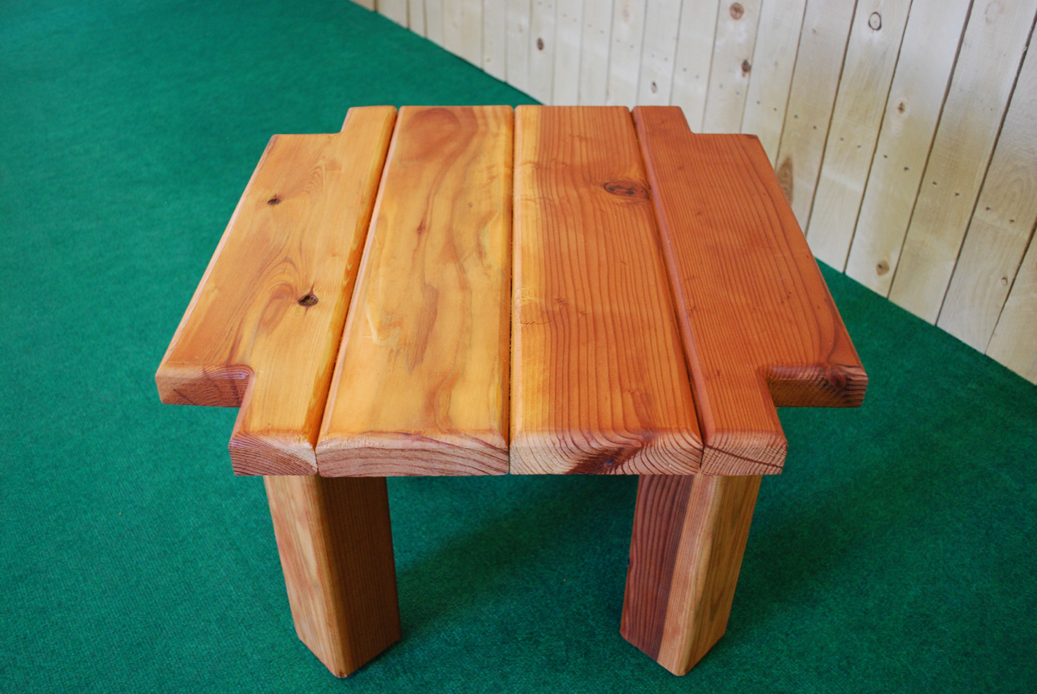 redwood notch accent table