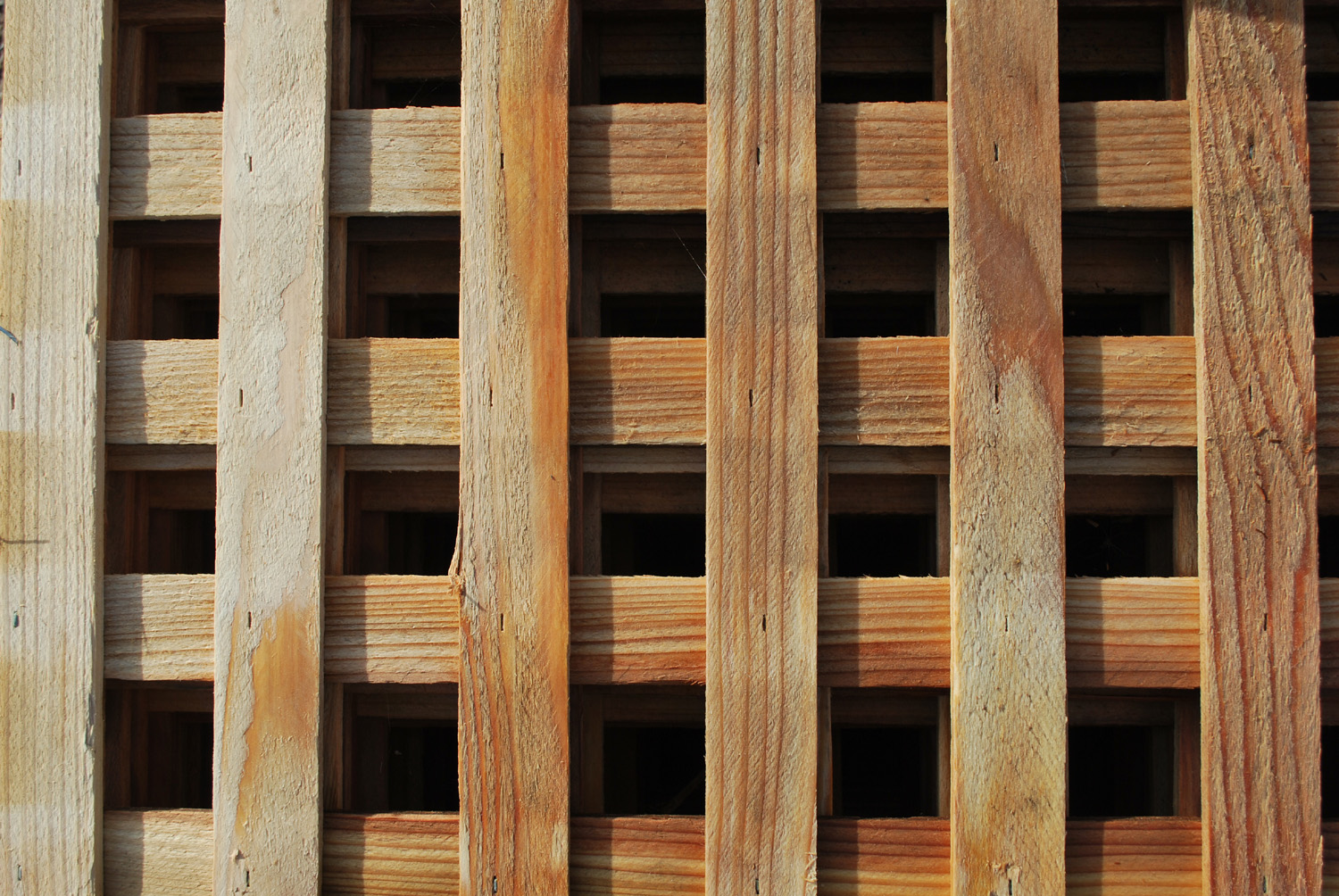 redwood lattice