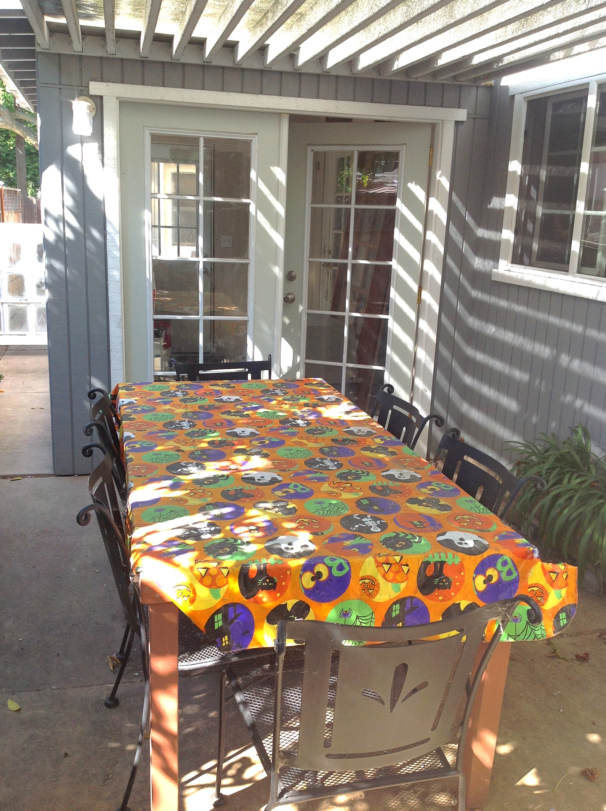 BEFORE: Dingy outdoor dining space