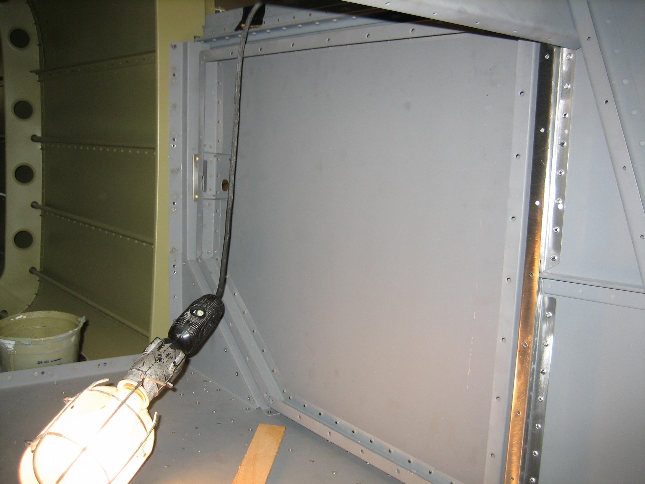 Baggage Door23.jpg