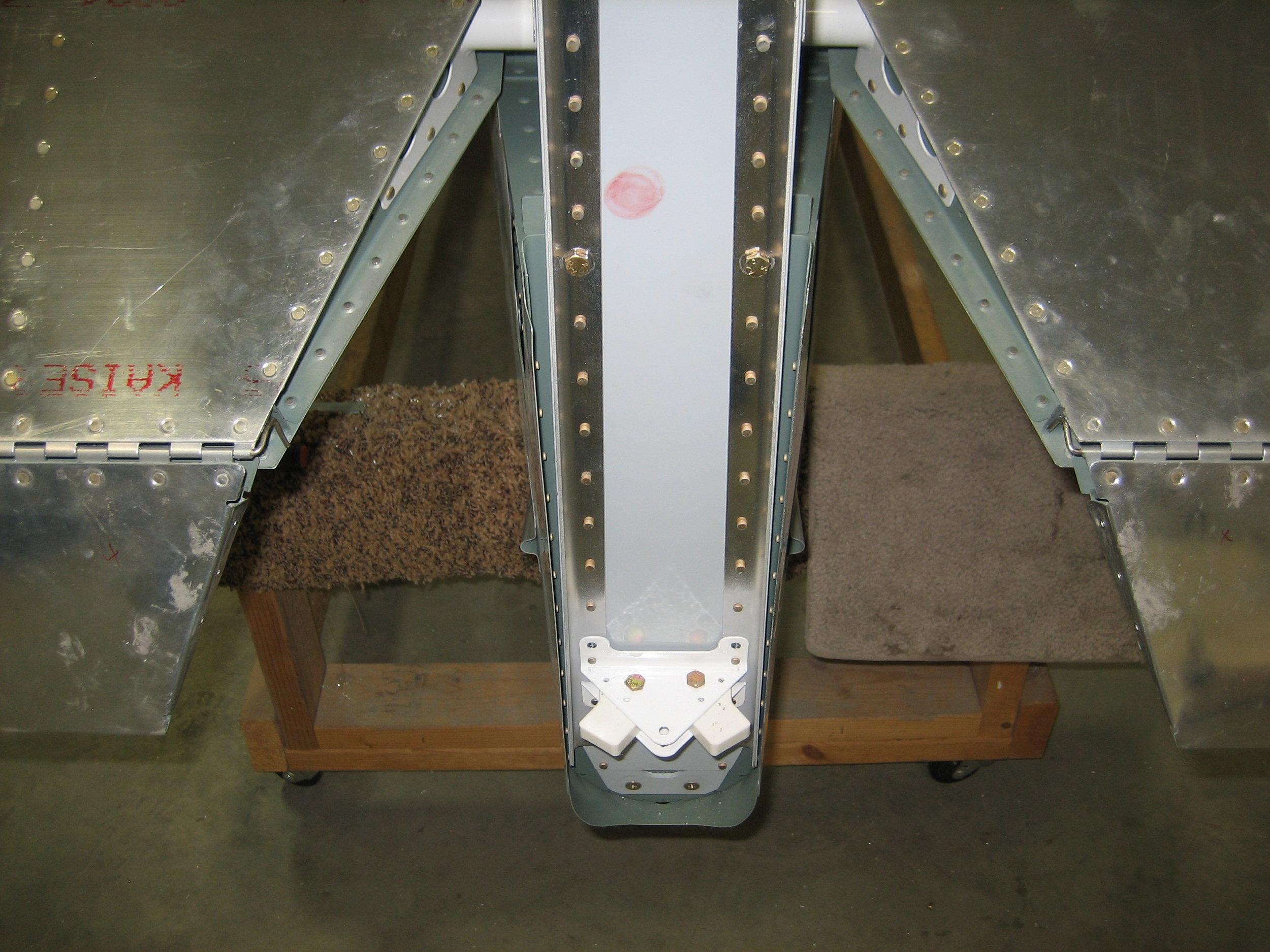 RV10 Vertical Stabilizer (18).JPG