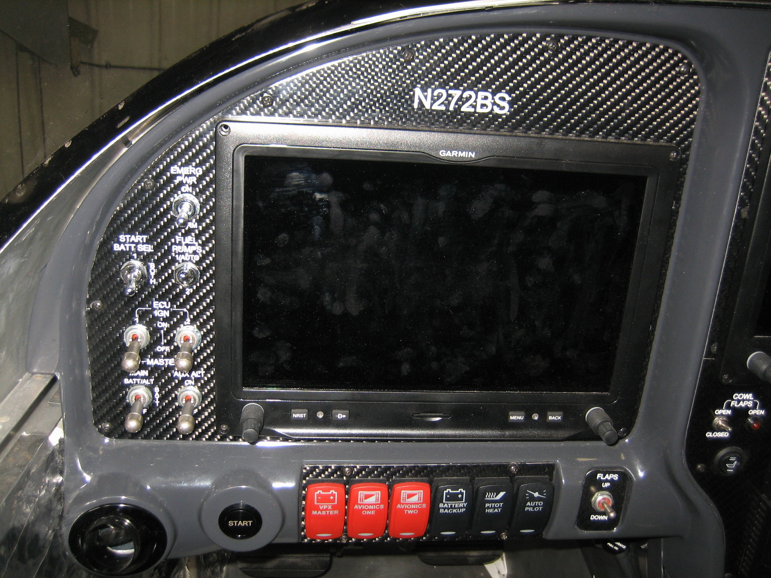 RV10 Avionics (18).jpg