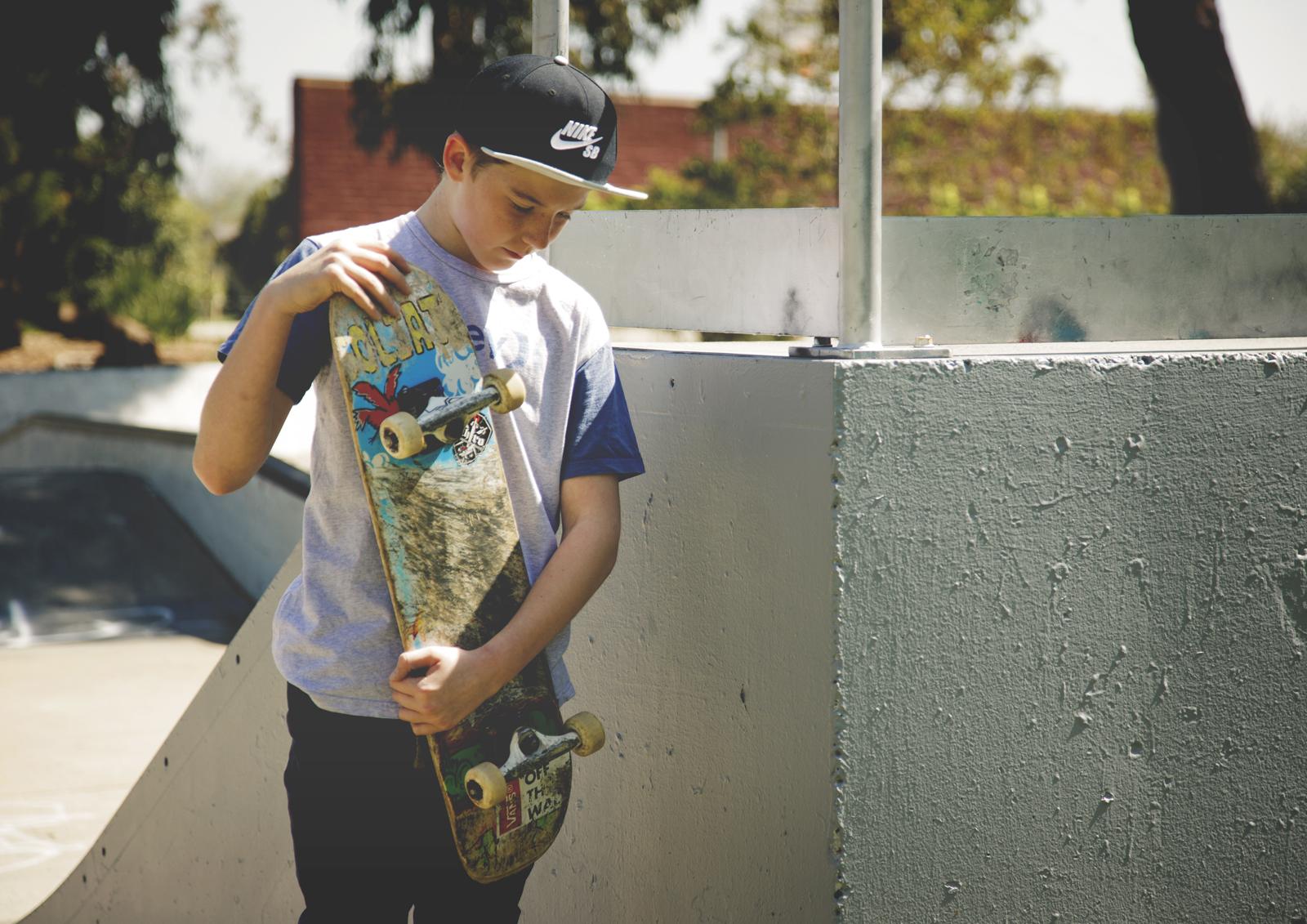 Tween boy photo shoot at skatepark!b
