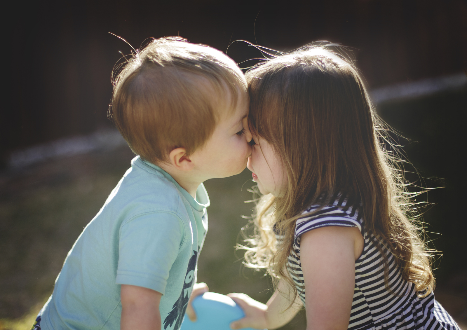 Brother & Sister kisses!
