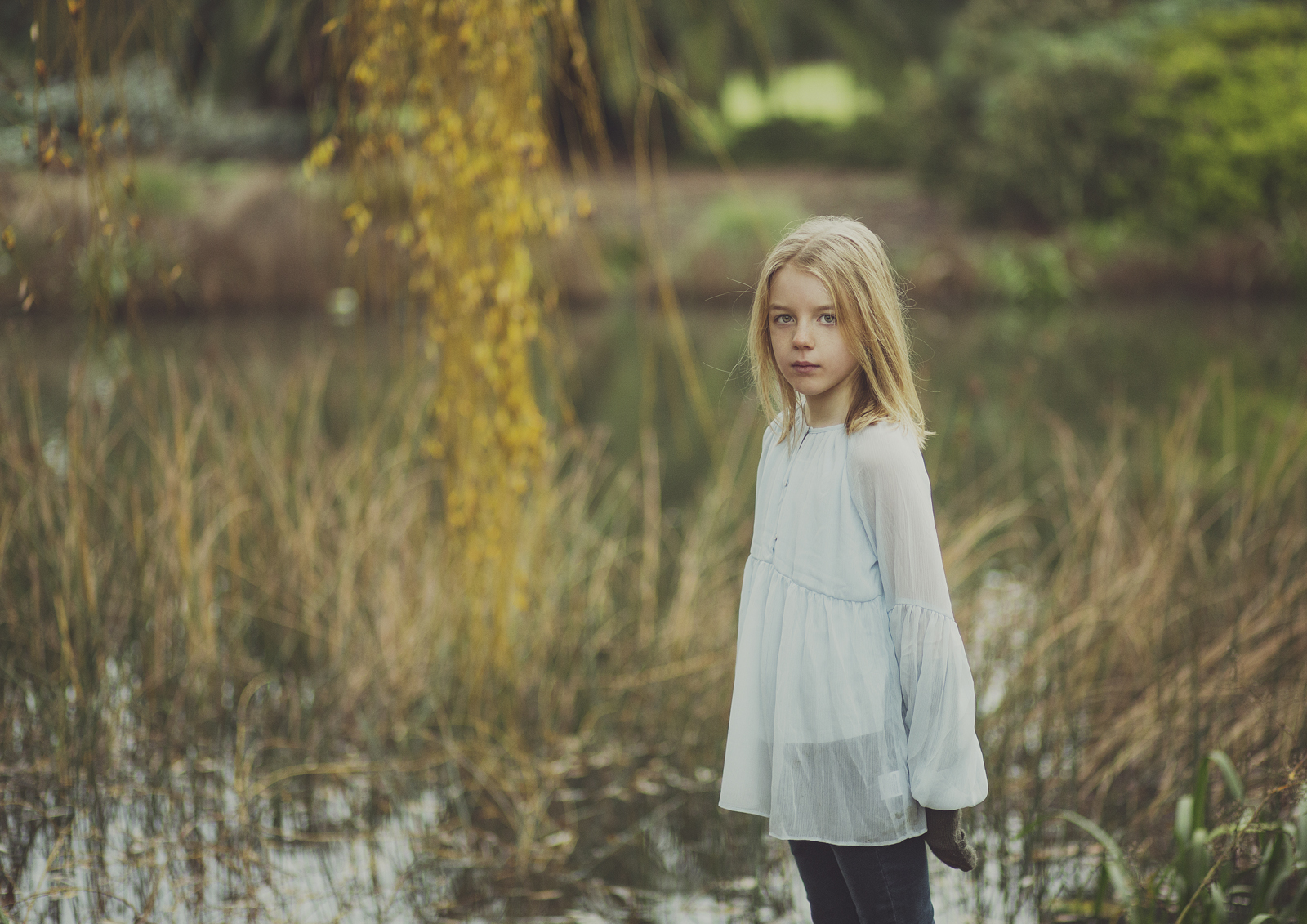 Child by the lake!