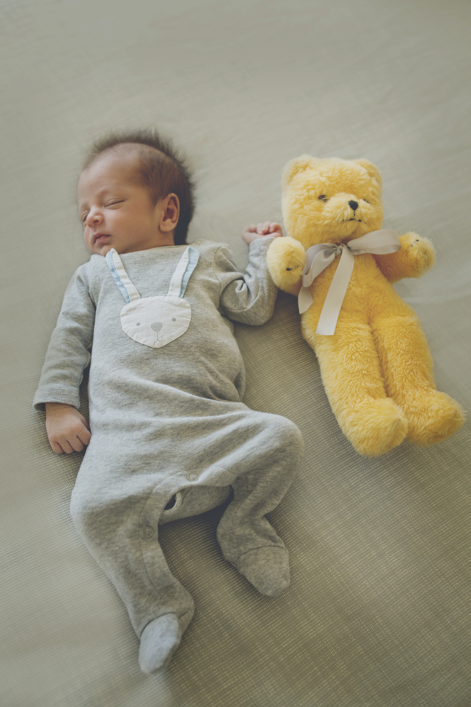 Newborn Lifestyle Photography Session Preview!