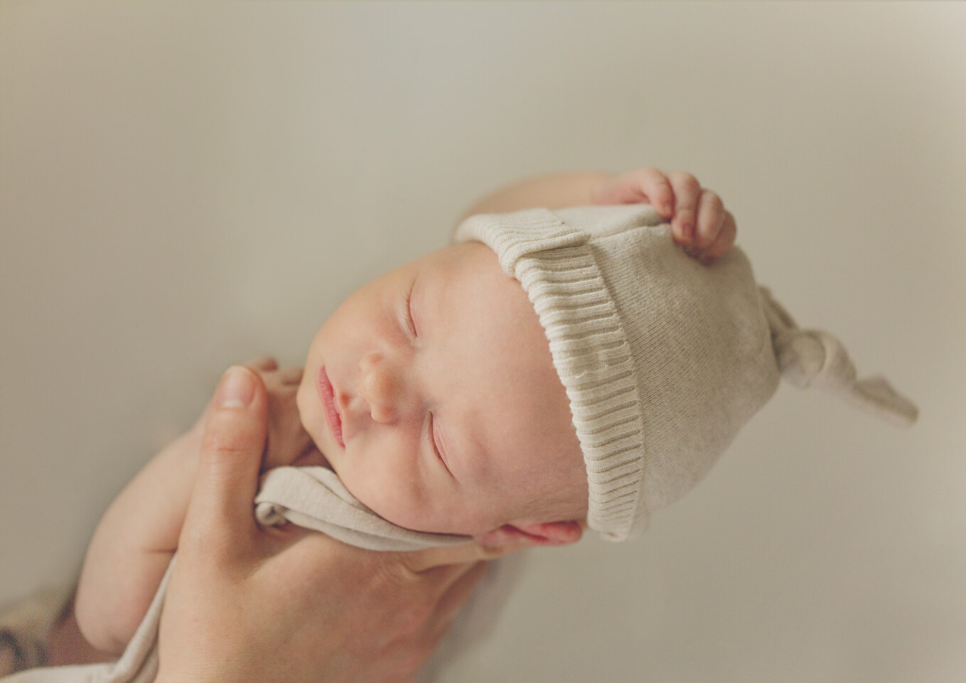 Natural Lifestyle Photography of Newborns