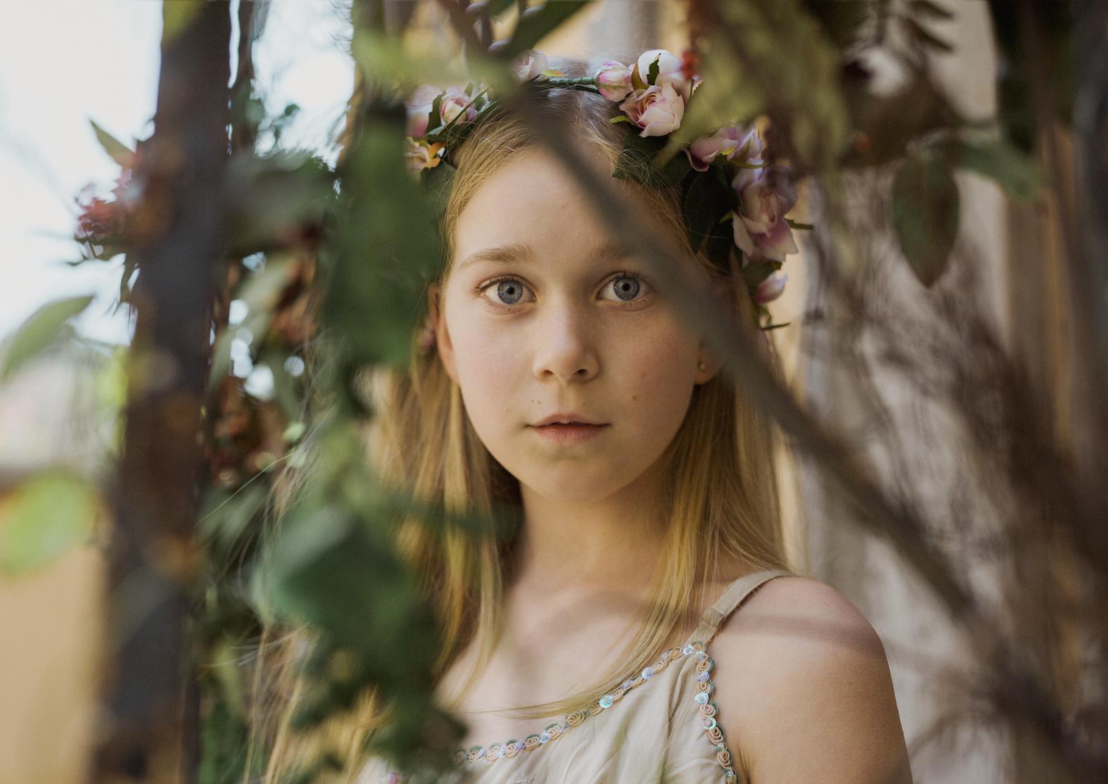 Fine Art Photography Of Tween Teenager Girls Natural Newborn Family Photographer Melbourne Watch Them Grow Blog Archiveblog