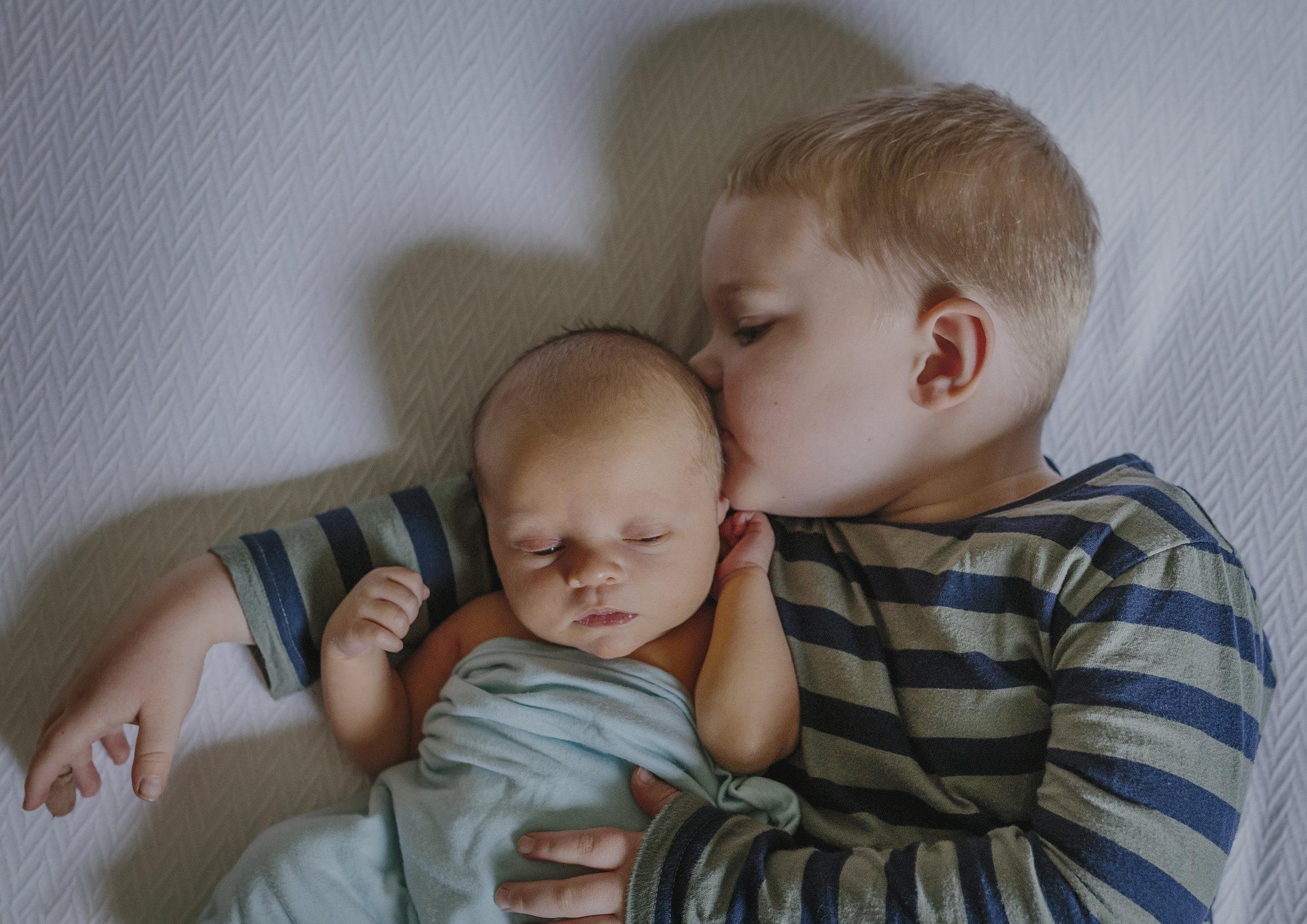 Lifestyle Newborn and Baby Photographer Bayside