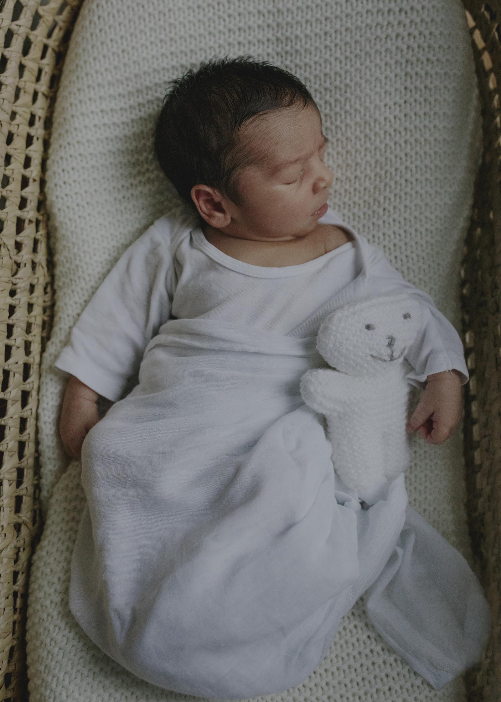 Lifestyle Newborn Photographer Bayside
