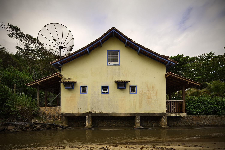 paraty-creek-house.jpg