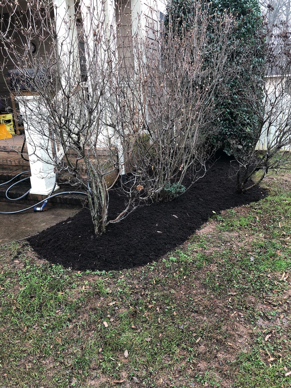 fresh-mulch-bed