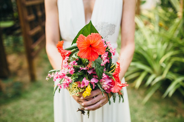 destination wedding photographer Vieques Puerto Rico bouquet