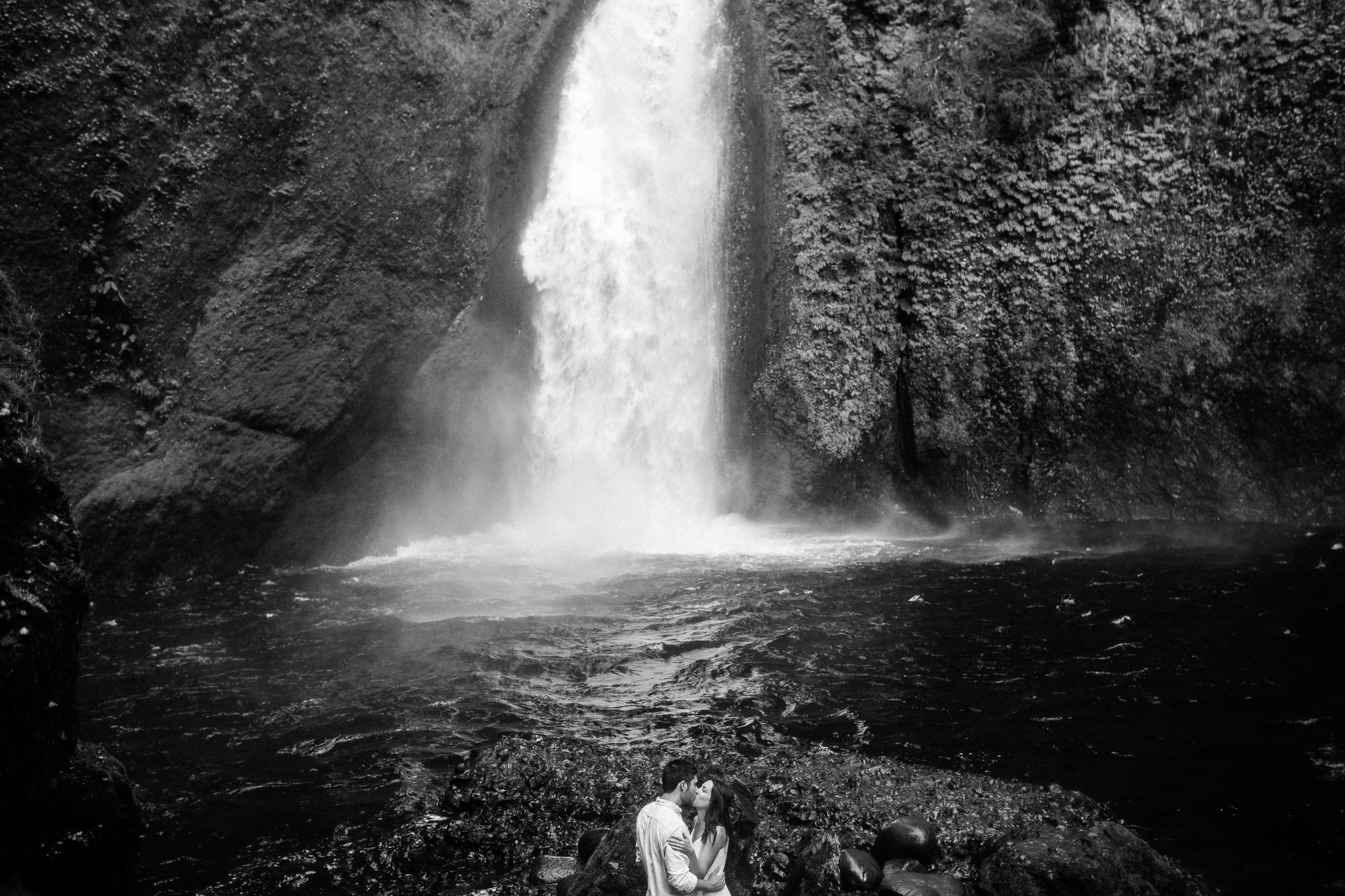 Wahclella falls portland oregon engagement photographer010.JPG