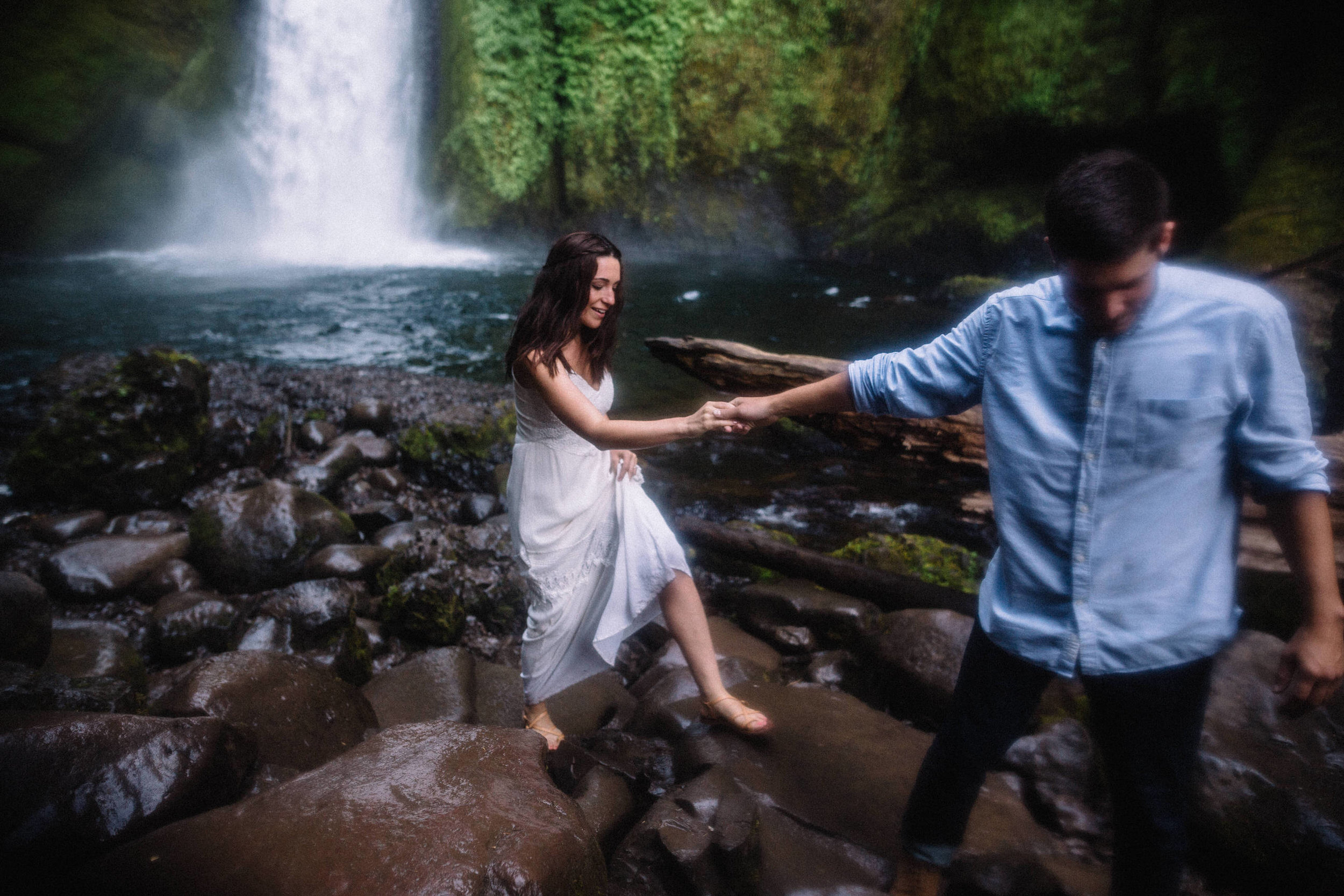 Wahclella falls portland oregon engagement photographer019.JPG