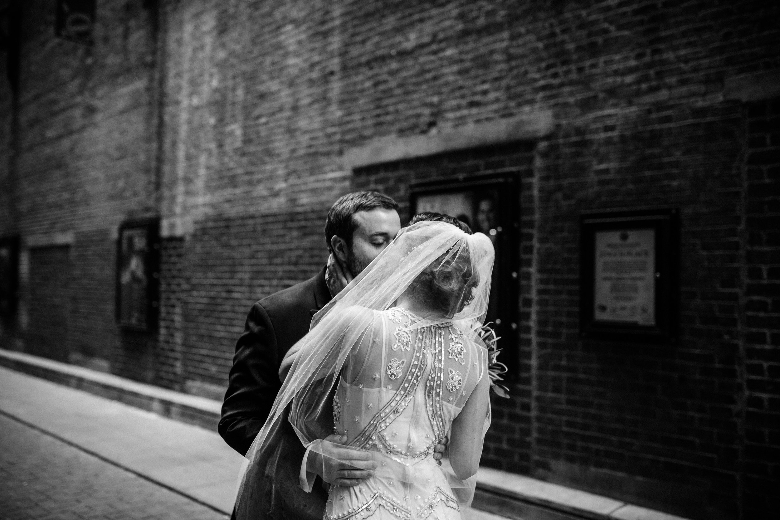 Chicago destination wedding photographer bridgeport art center005.JPG