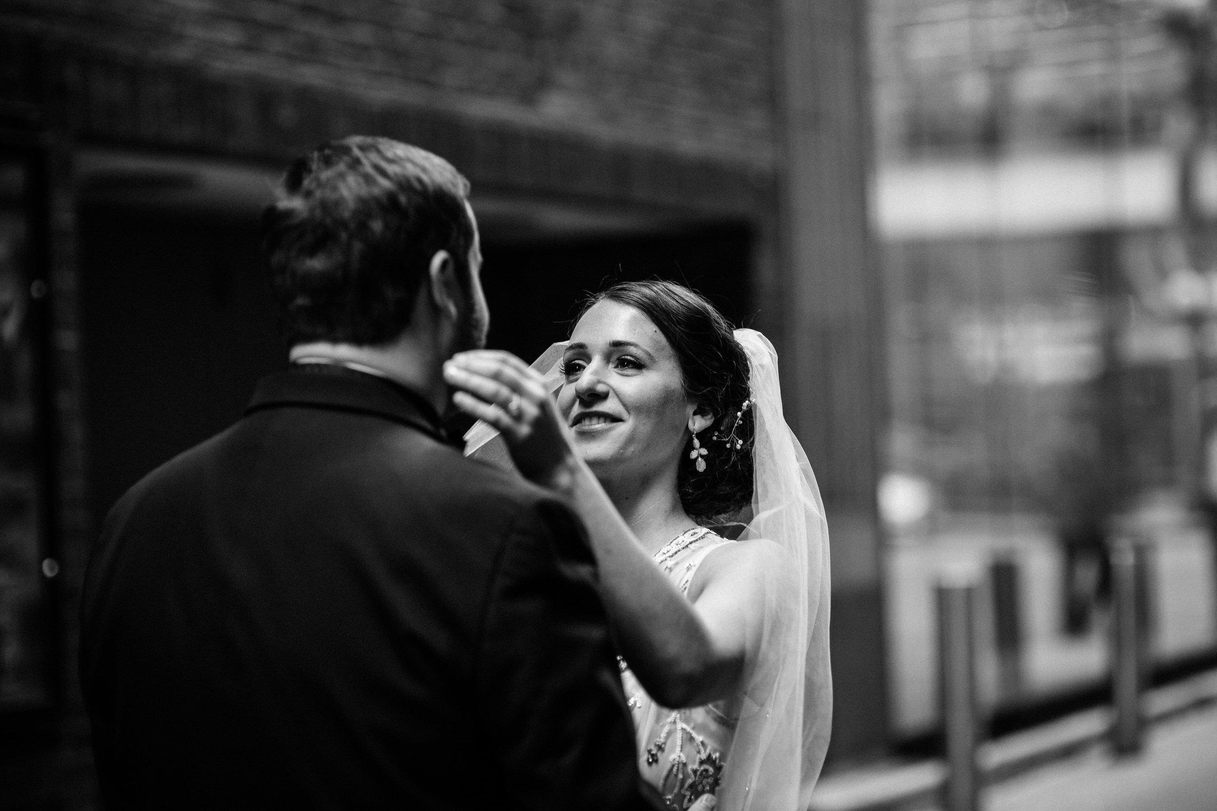Chicago destination wedding photographer bridgeport art center006.JPG