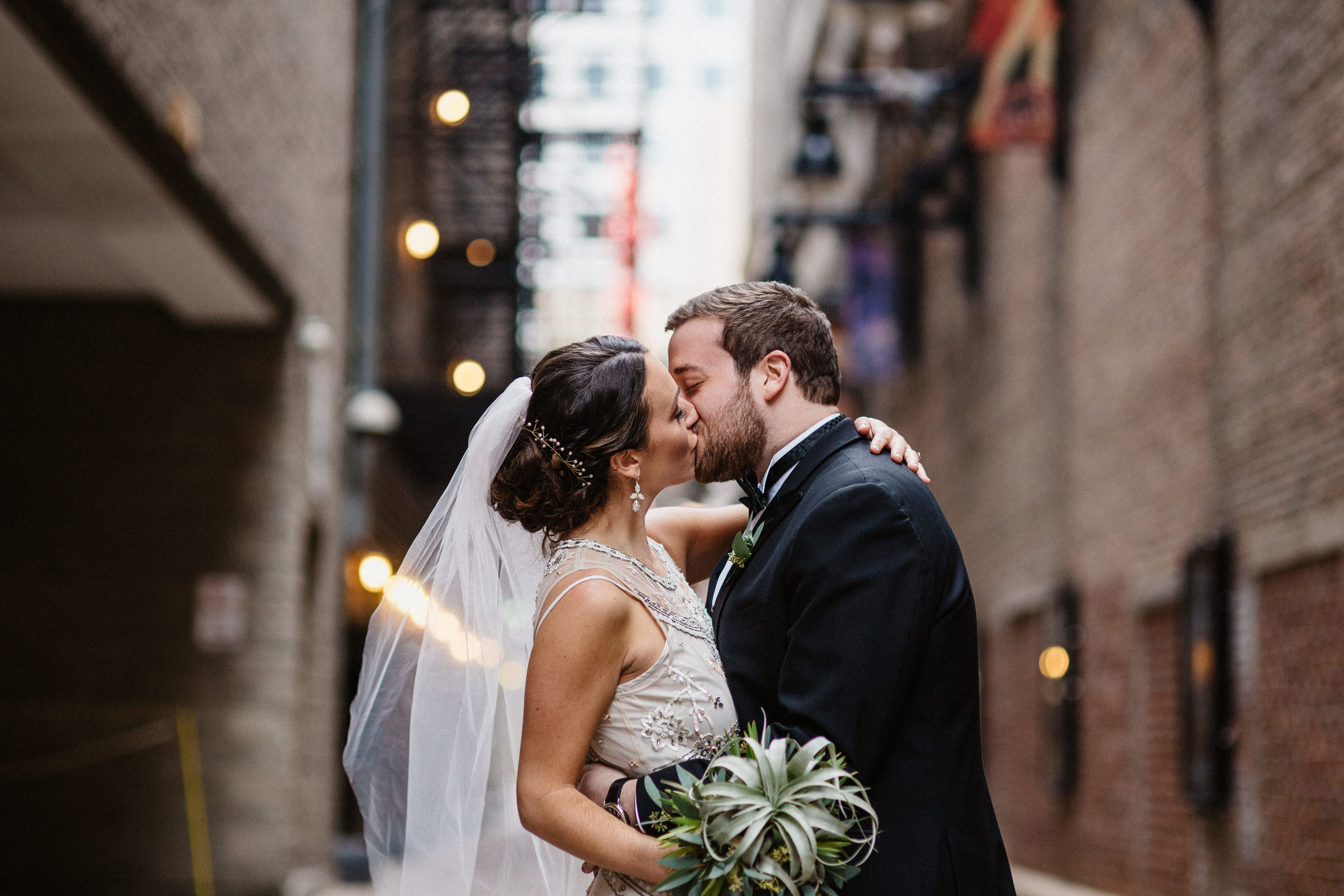 Chicago destination wedding photographer bridgeport art center007.JPG