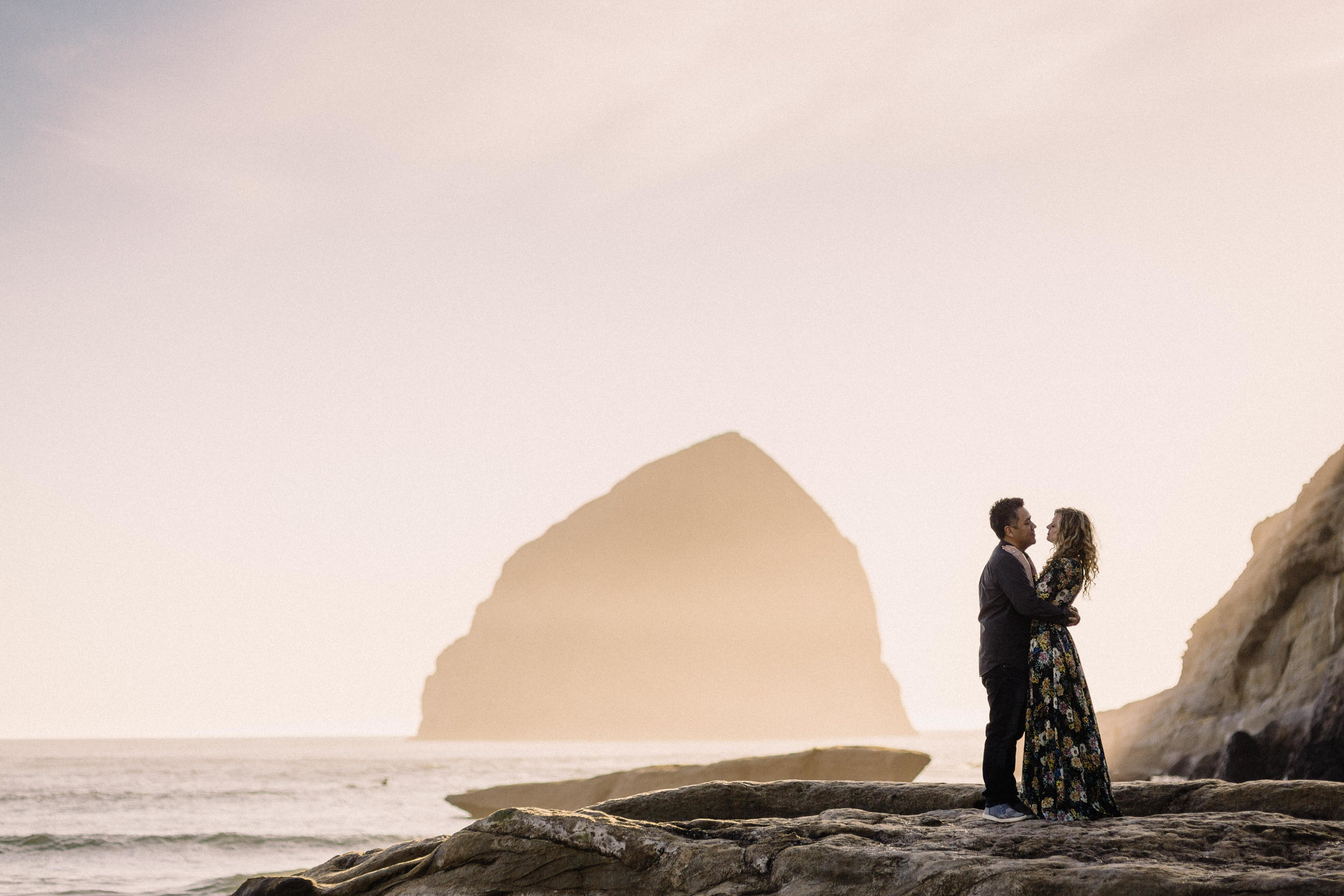 Cape Kiwanda Pacific City engagement photography003.JPG