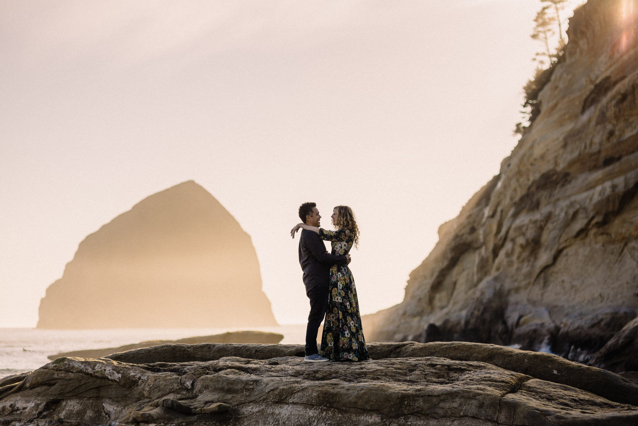 Cape Kiwanda Pacific City engagement photography005.JPG