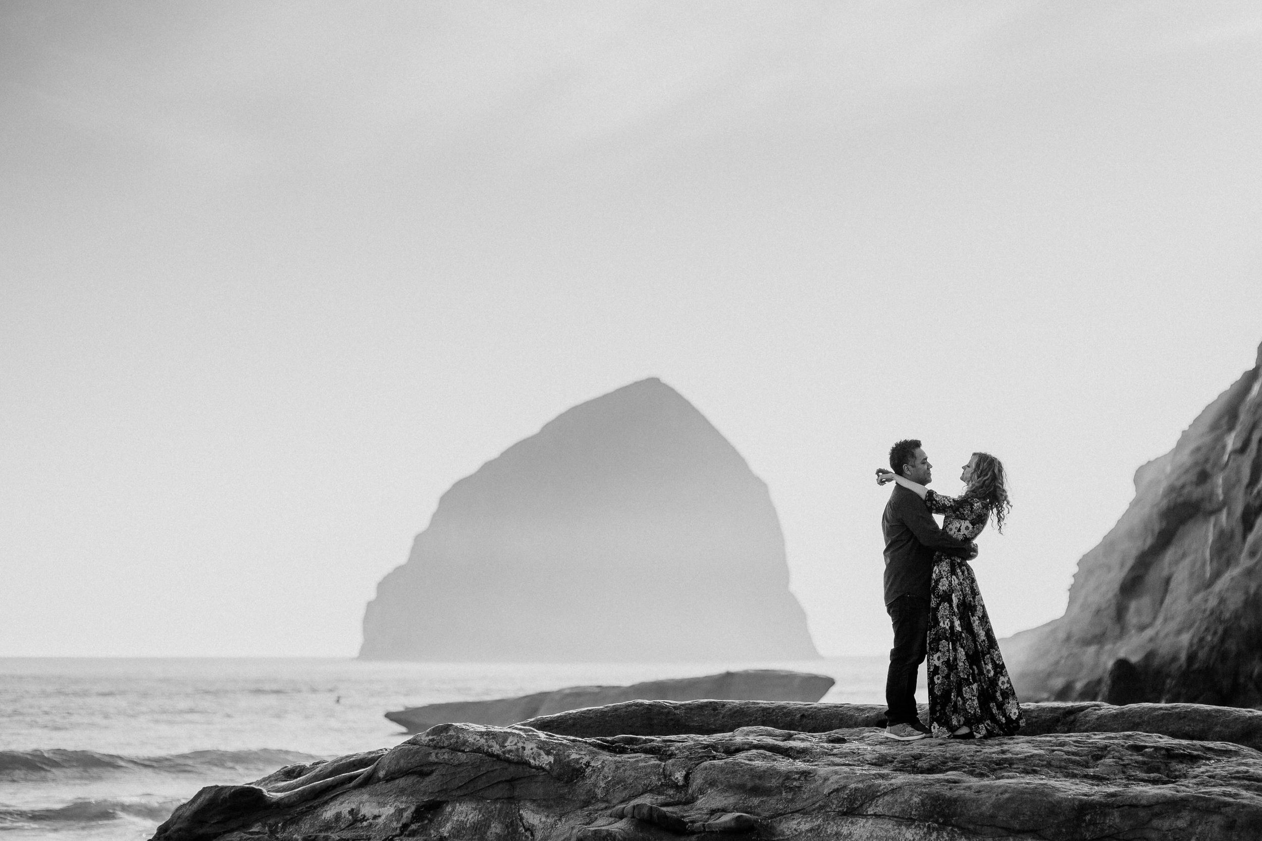Cape Kiwanda Pacific City engagement photography004.JPG