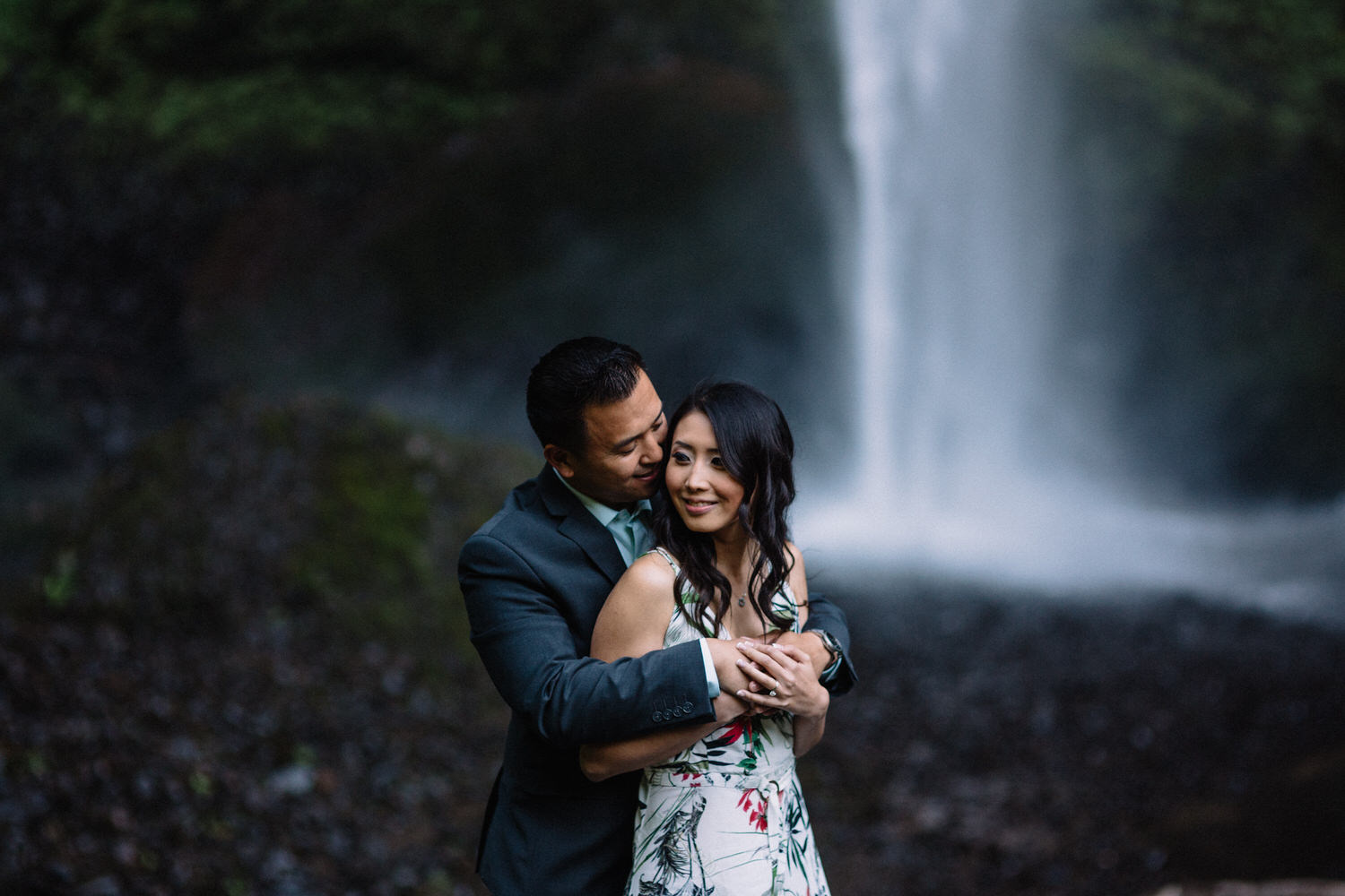 Latourell Falls engagement photography004.JPG