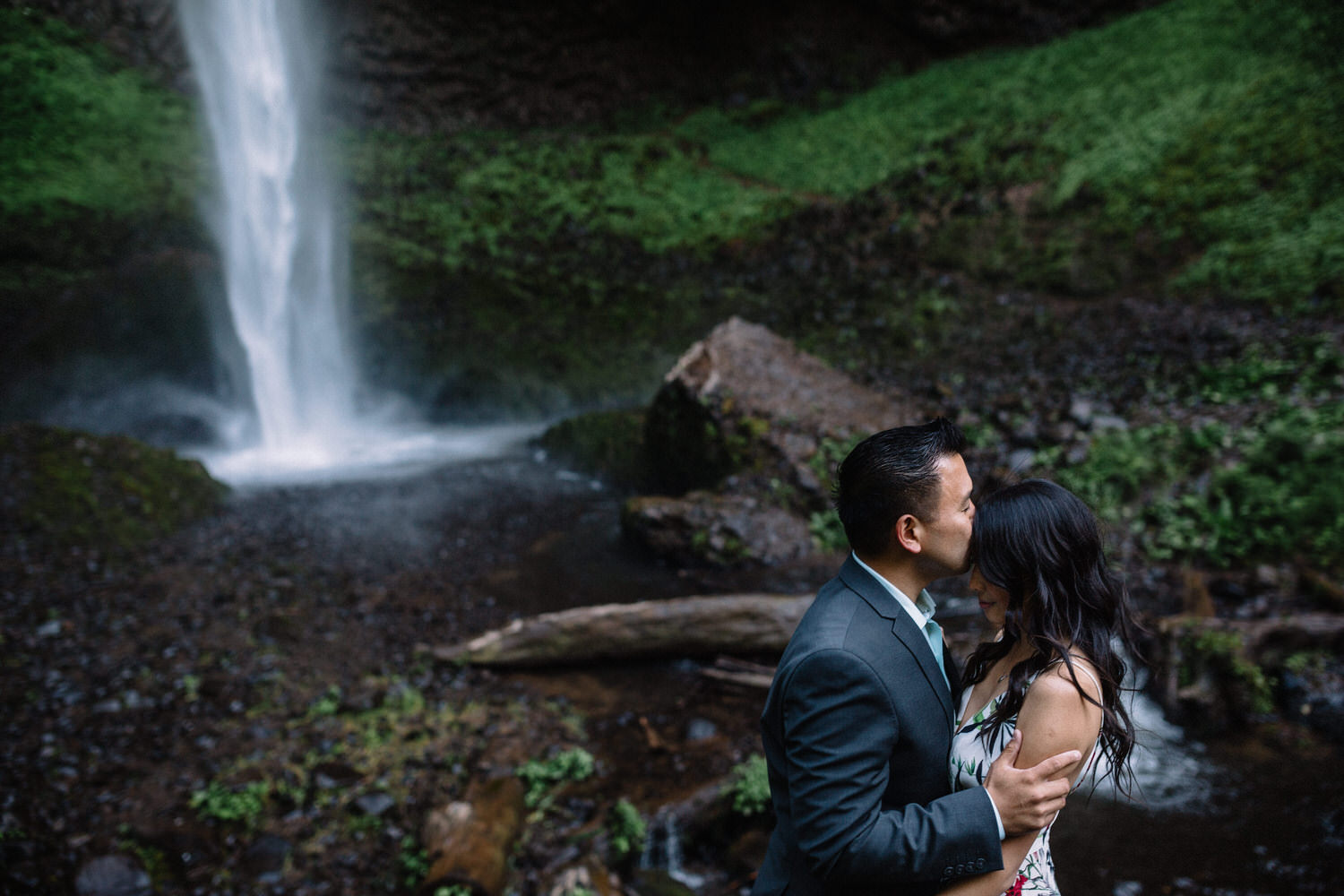 Latourell Falls engagement photography007.JPG