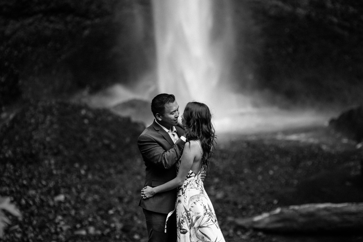 Latourell Falls engagement photography008.JPG