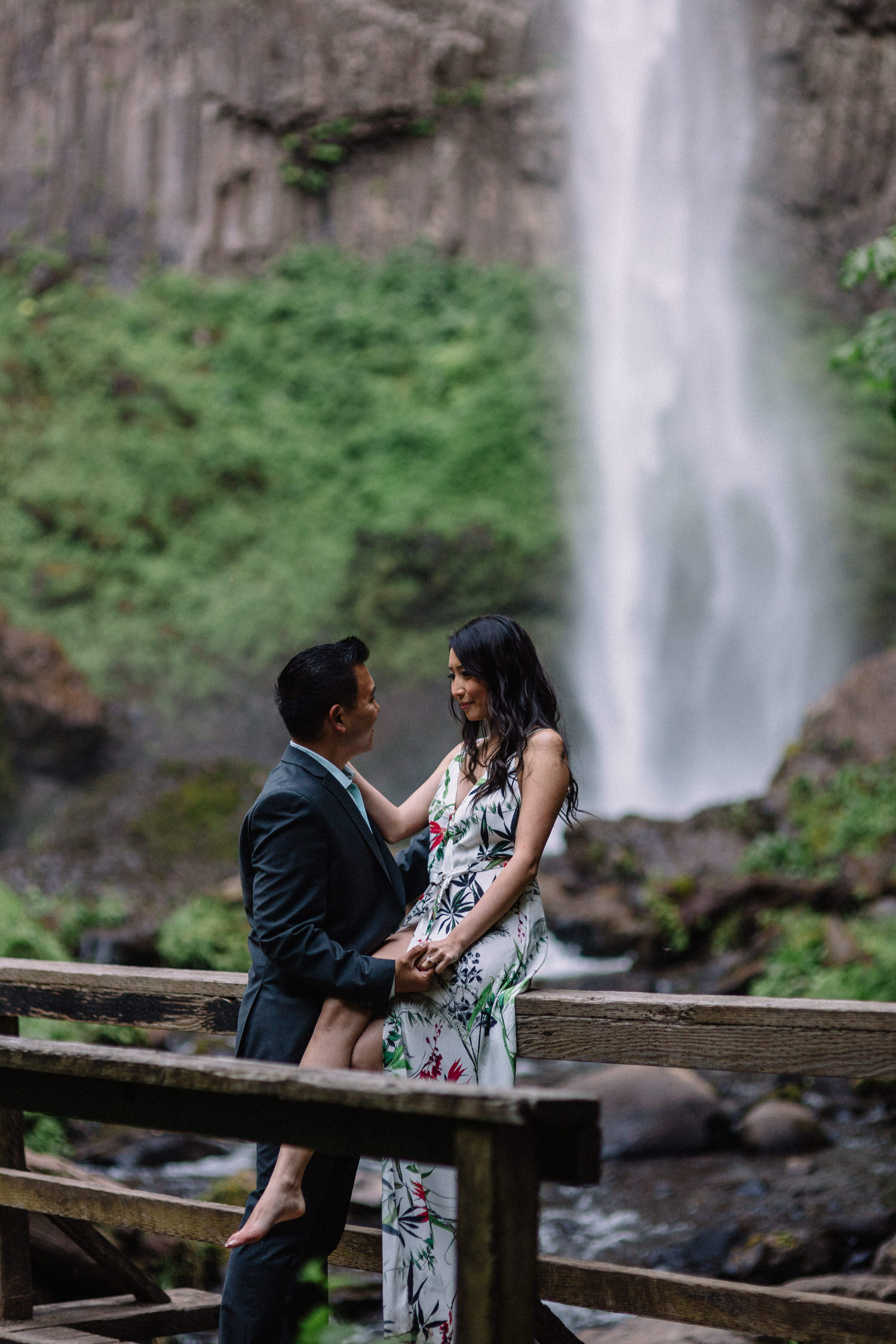 Latourell Falls engagement photography026.JPG