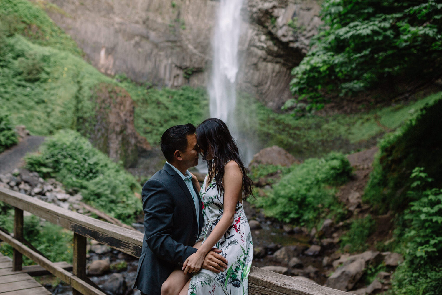 Latourell Falls engagement photography027.JPG