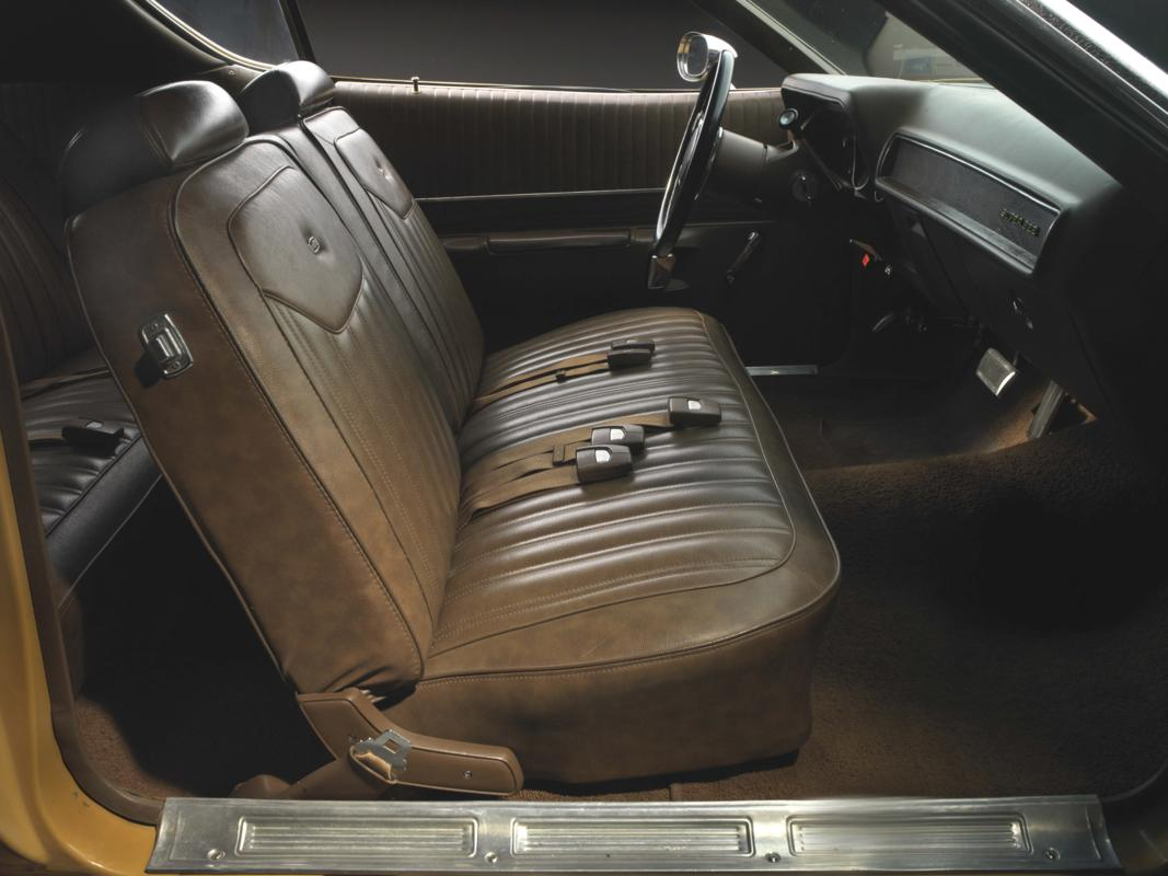 71 Butterscotch Super Bee interior.jpg