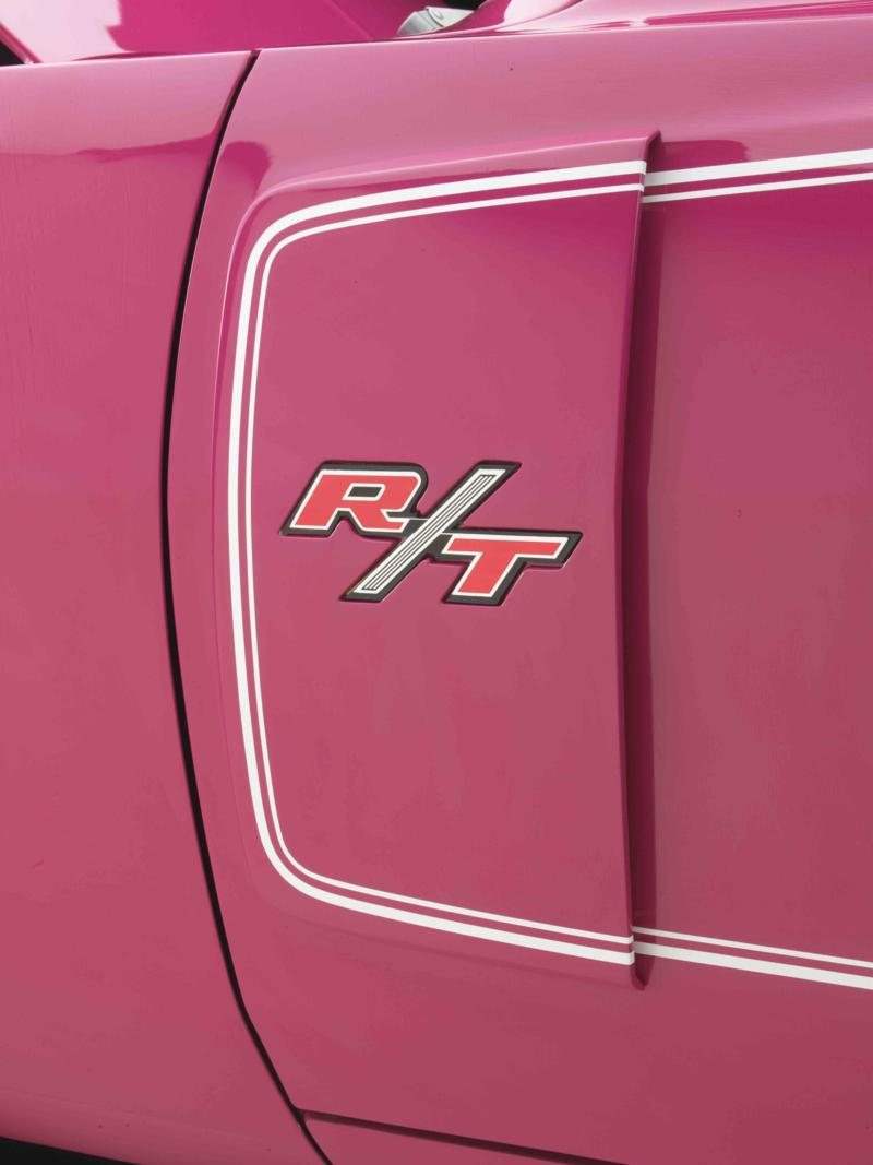 Dodge Charger R_T 440 Six Pack 1970 _RT_ emblem.jpg