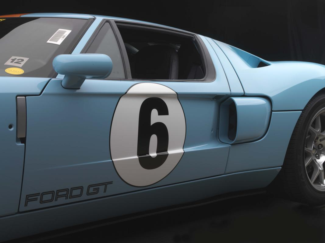 Ford GT door and scoop.jpg
