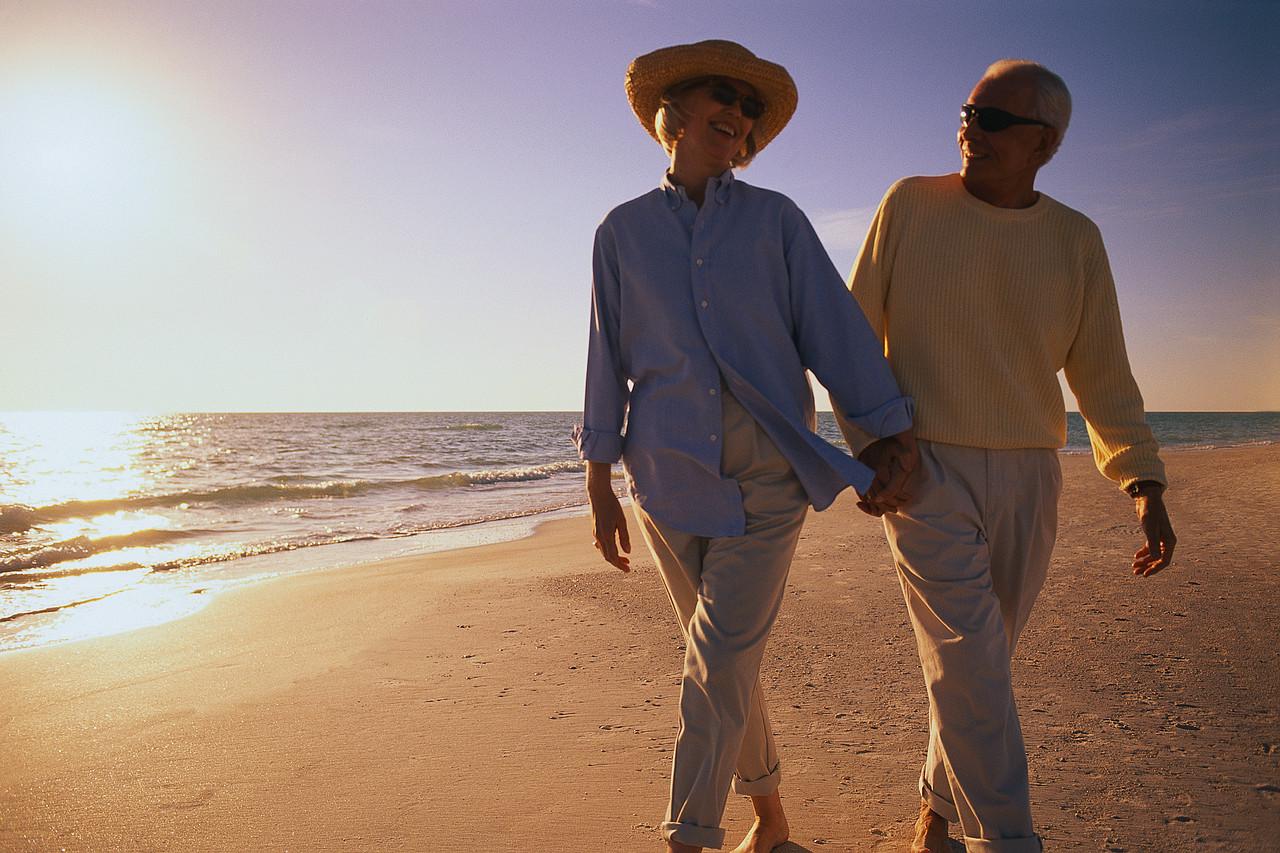 couple walking on the beach_C.F.-04.04.13.jpg