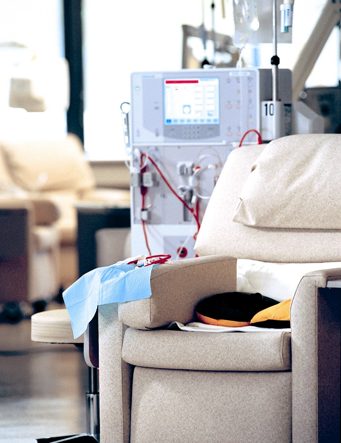 dialysis chair_C.F.-06.21.13.jpg