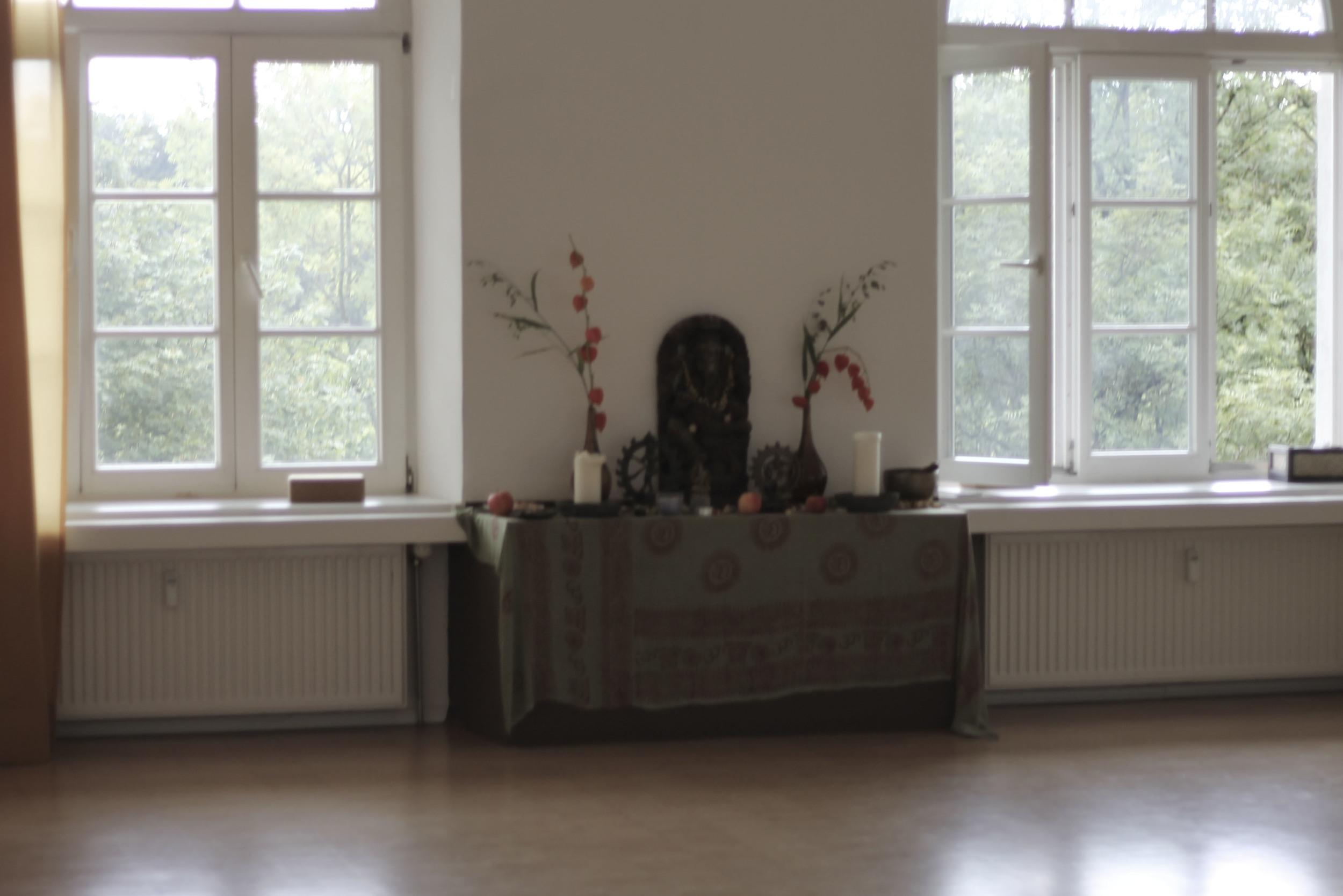 Yogalounge Pullach Yoga München Anusara27.jpg