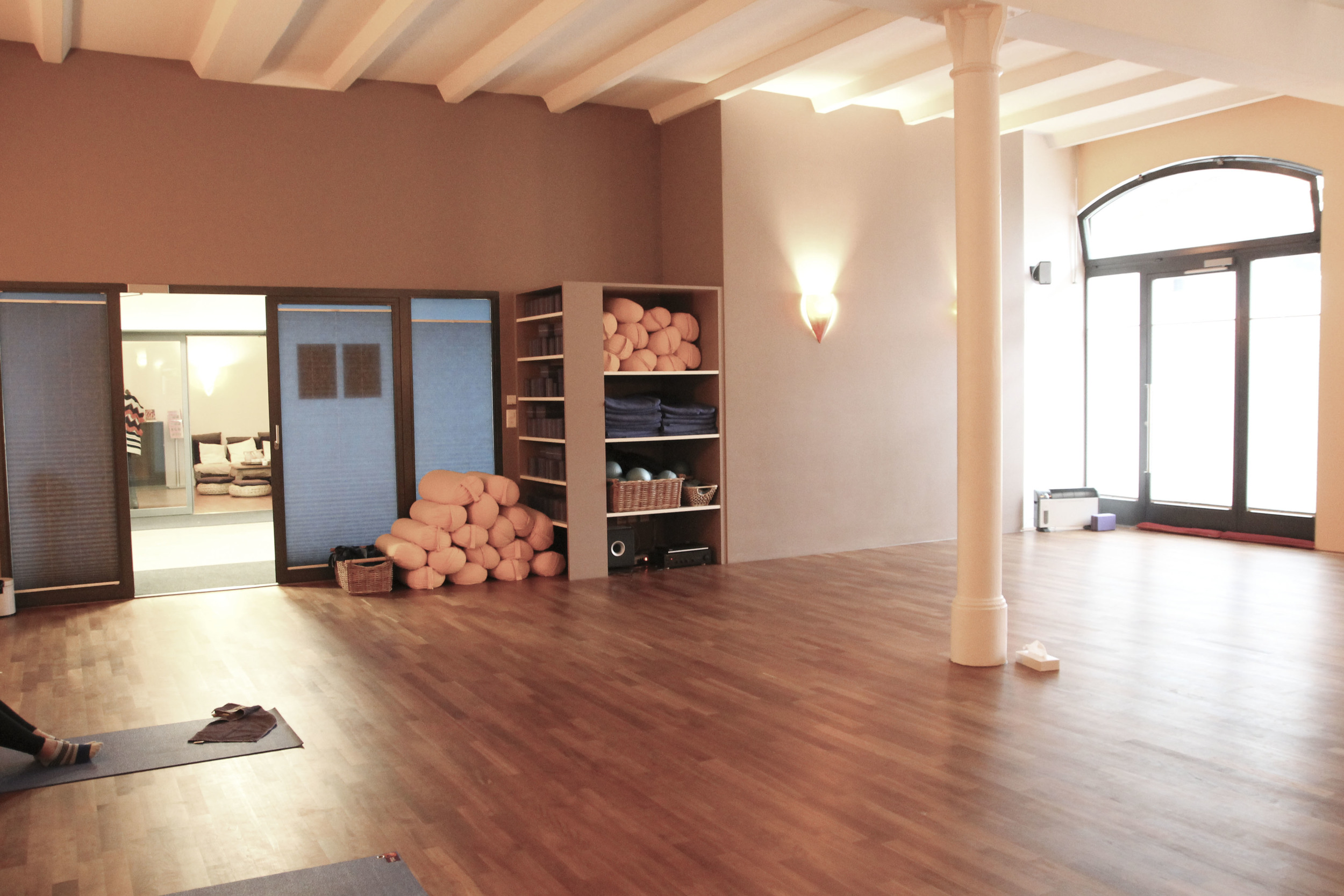 Planet Yoga Zürich Yoga Studio152.jpg
