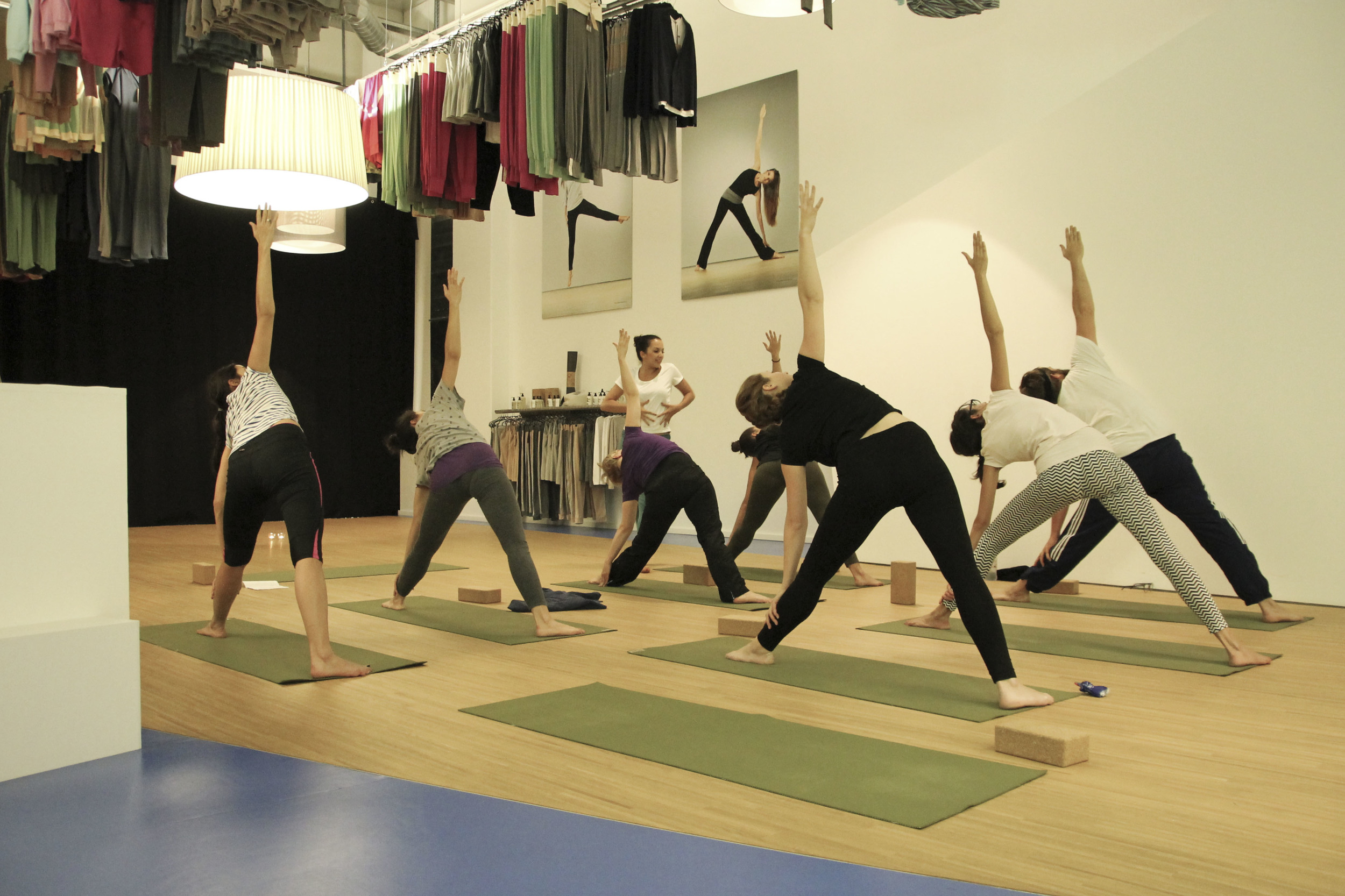 pop up yoga zürich lola fred136.jpg
